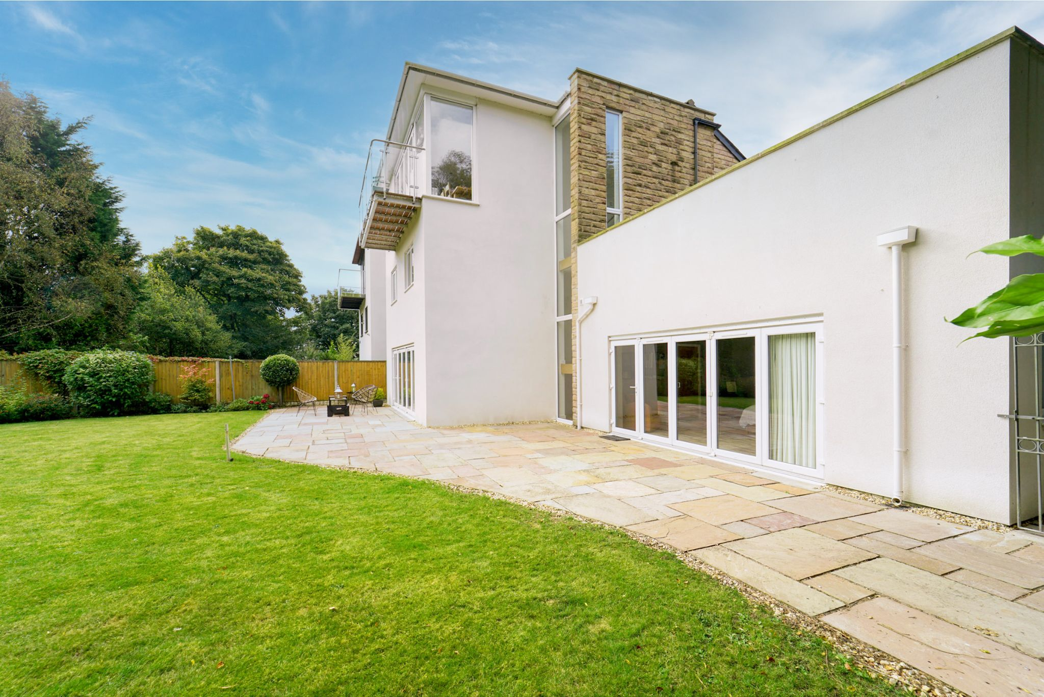 4 bedroom detached house Sale Agreed in Bolton - Photograph 99