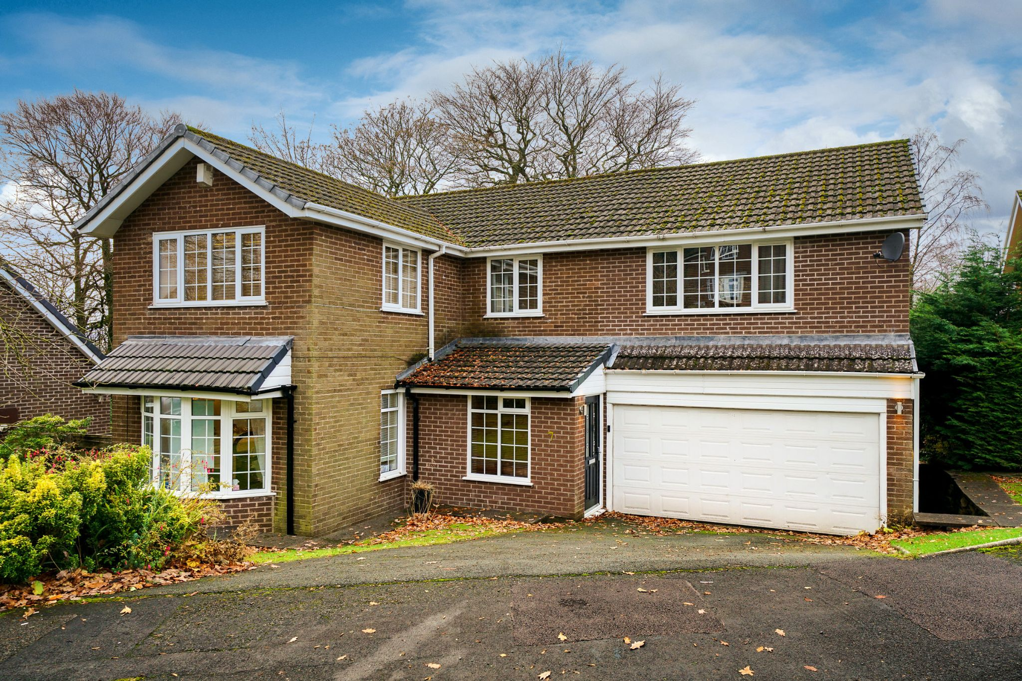 6 bedroom detached house For Sale in Bolton - Property photograph