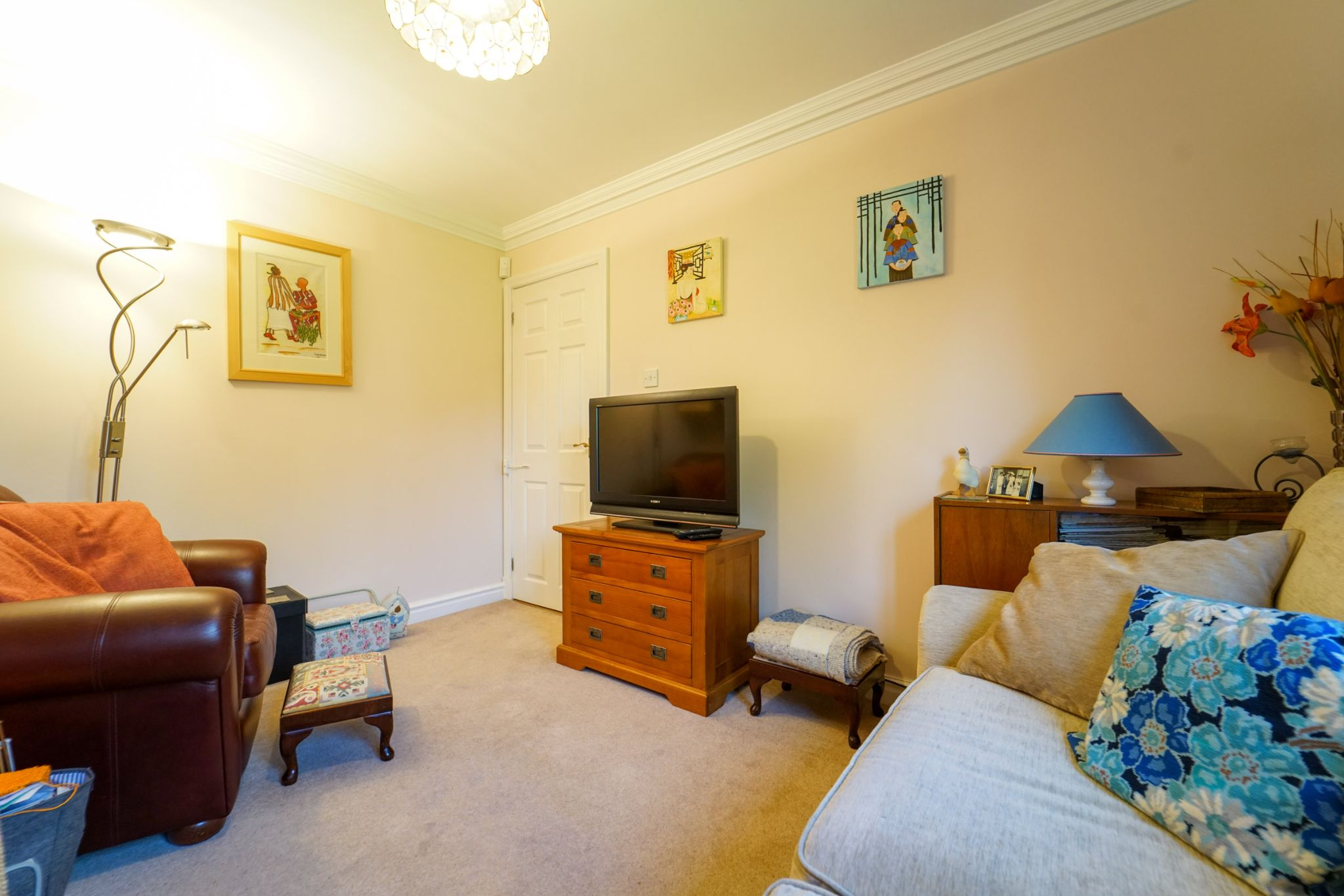 5 bedroom detached house For Sale in Bolton - Photograph 10