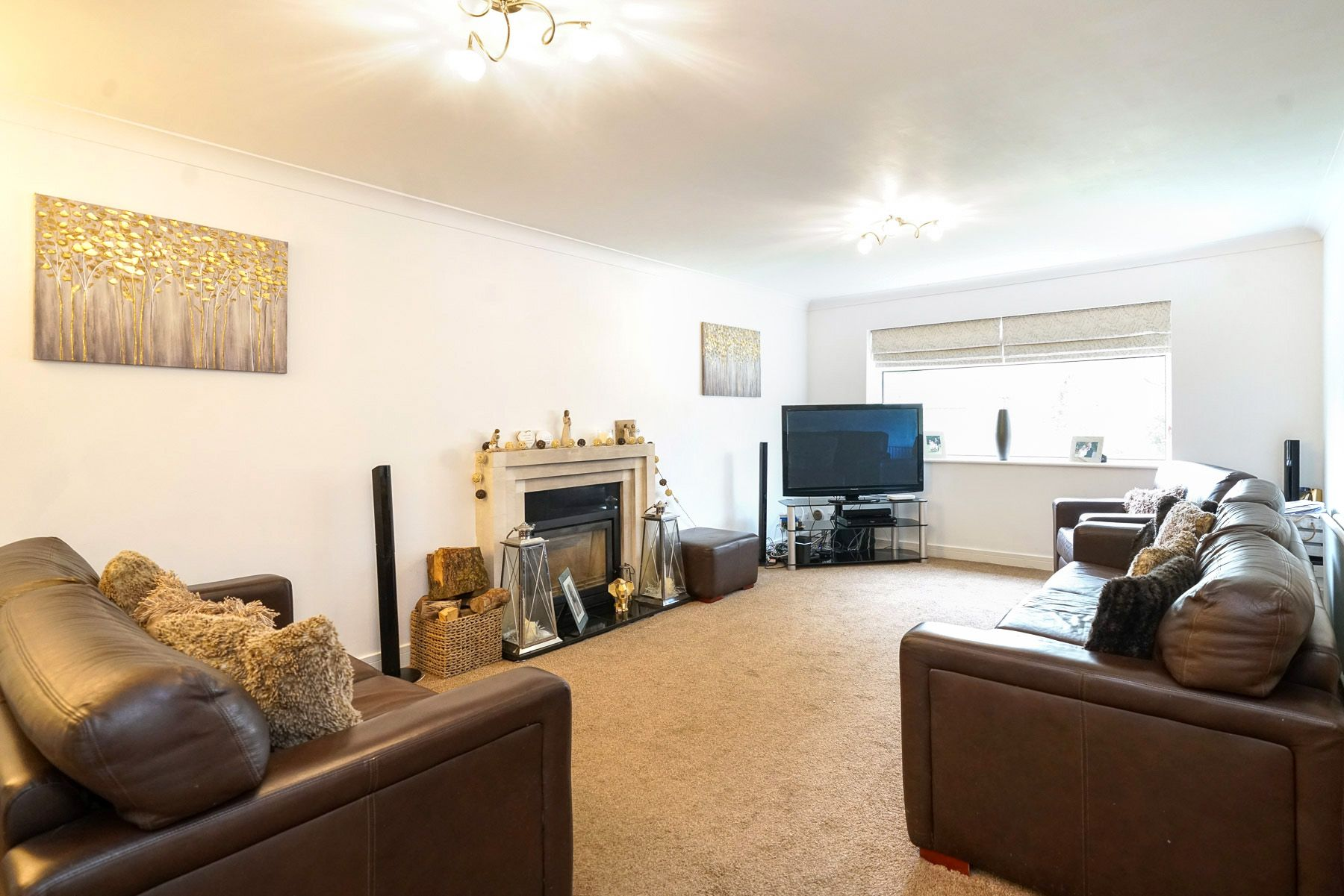 4 bedroom detached house SSTC in Bolton - Photograph 6