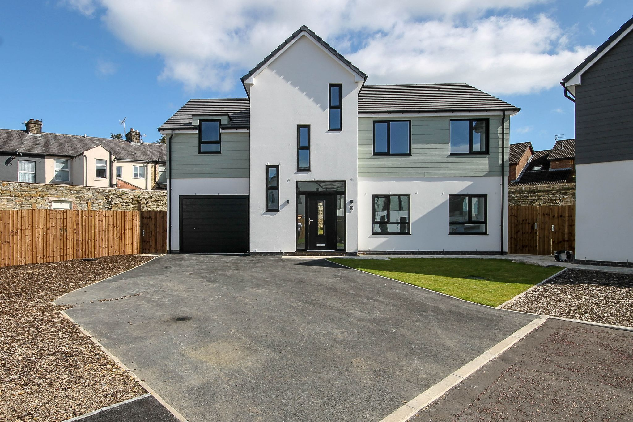 5 bedroom detached house For Sale in Darwen - Property photograph