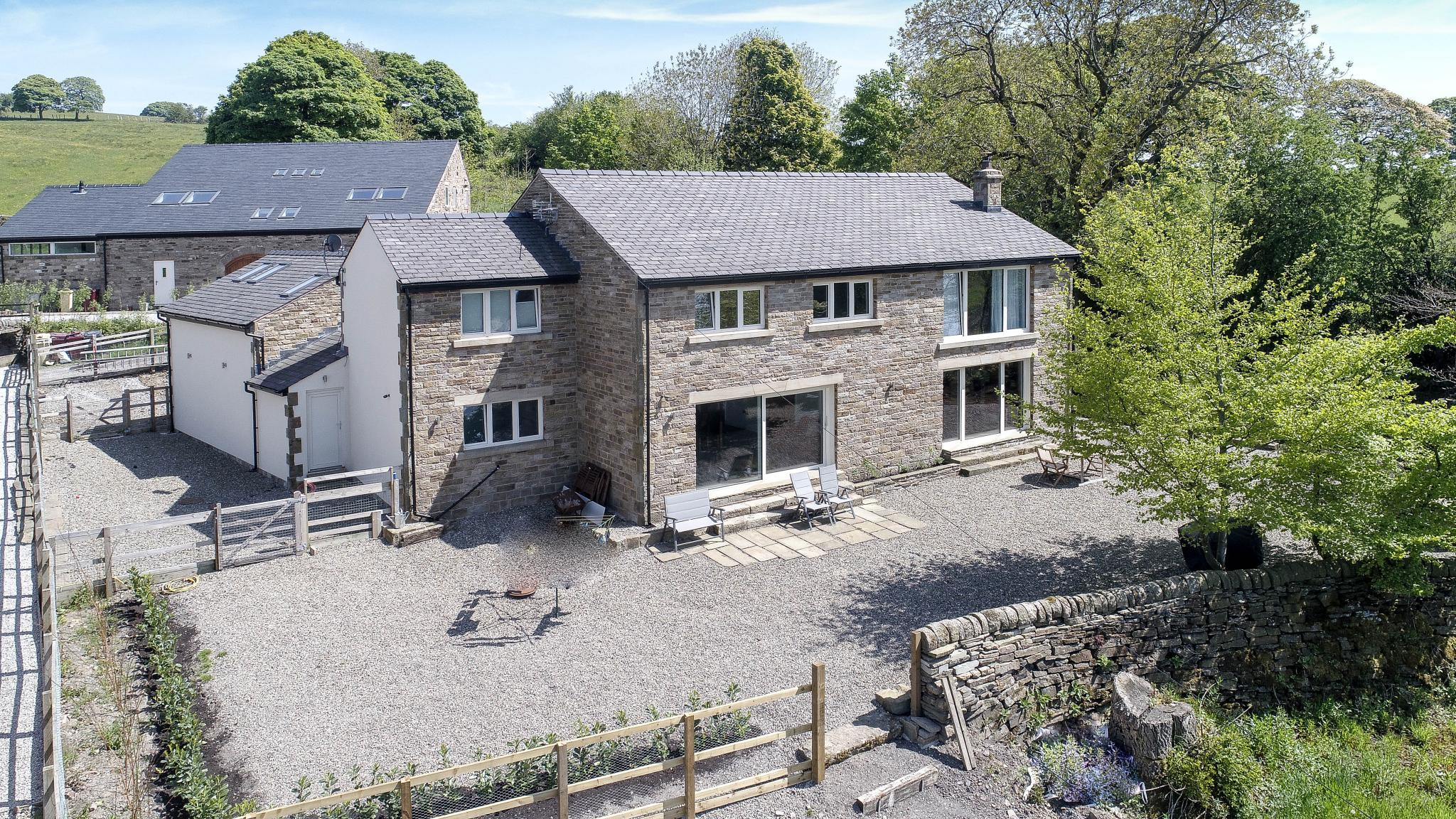 5 bedroom detached house For Sale in Bolton - Property photograph