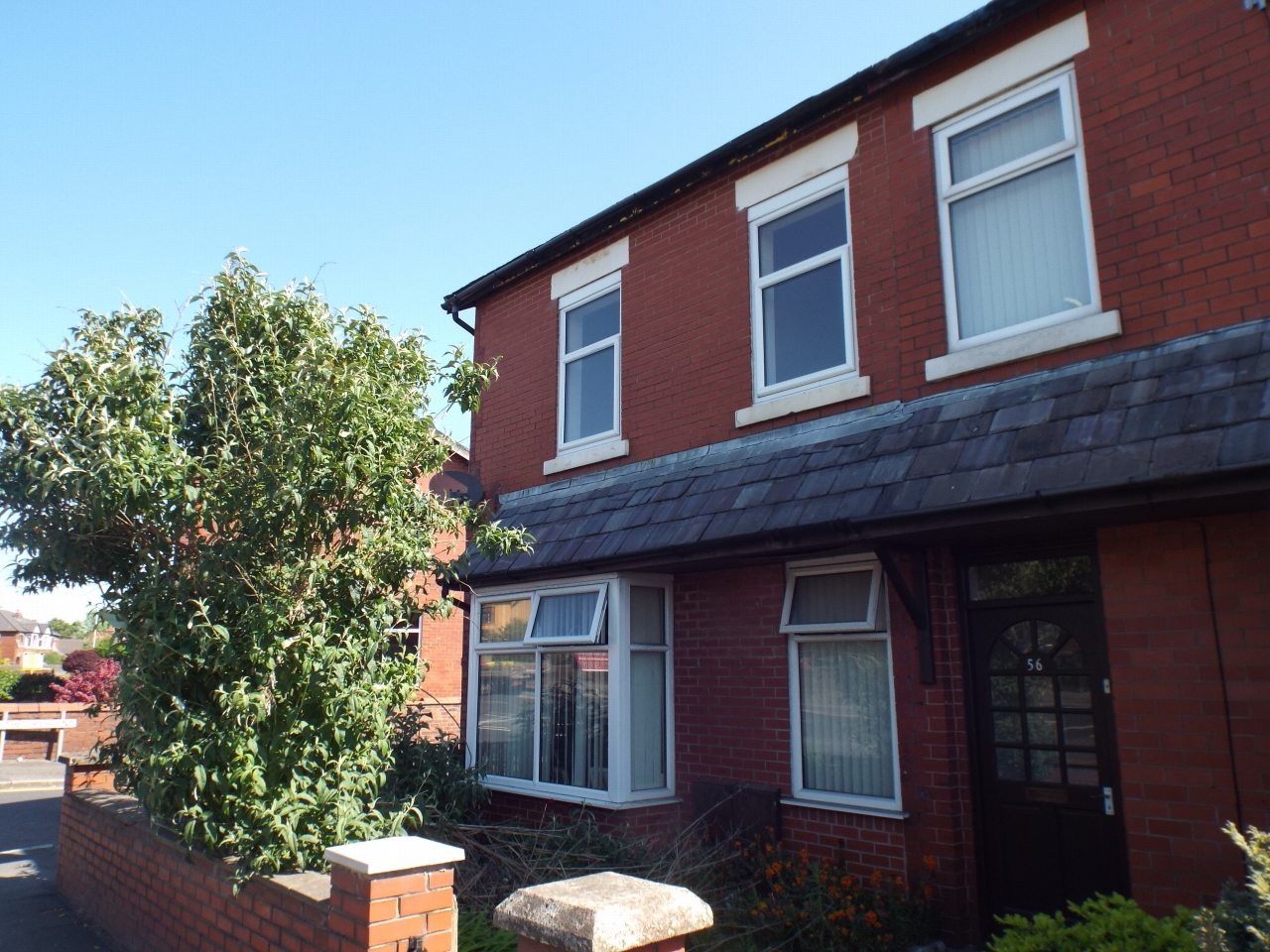 2 bedroom apartment flat/apartment in Chorley - Photograph 1.