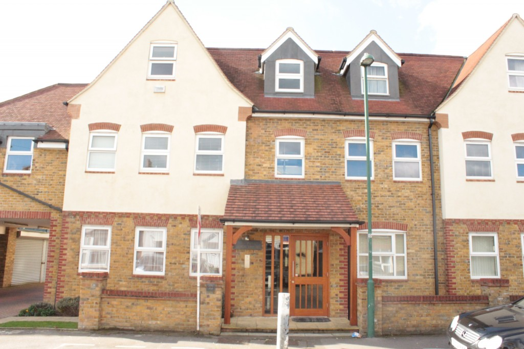 2 bedroom apartment flat/apartment Let Agreed in Sutton - 0.