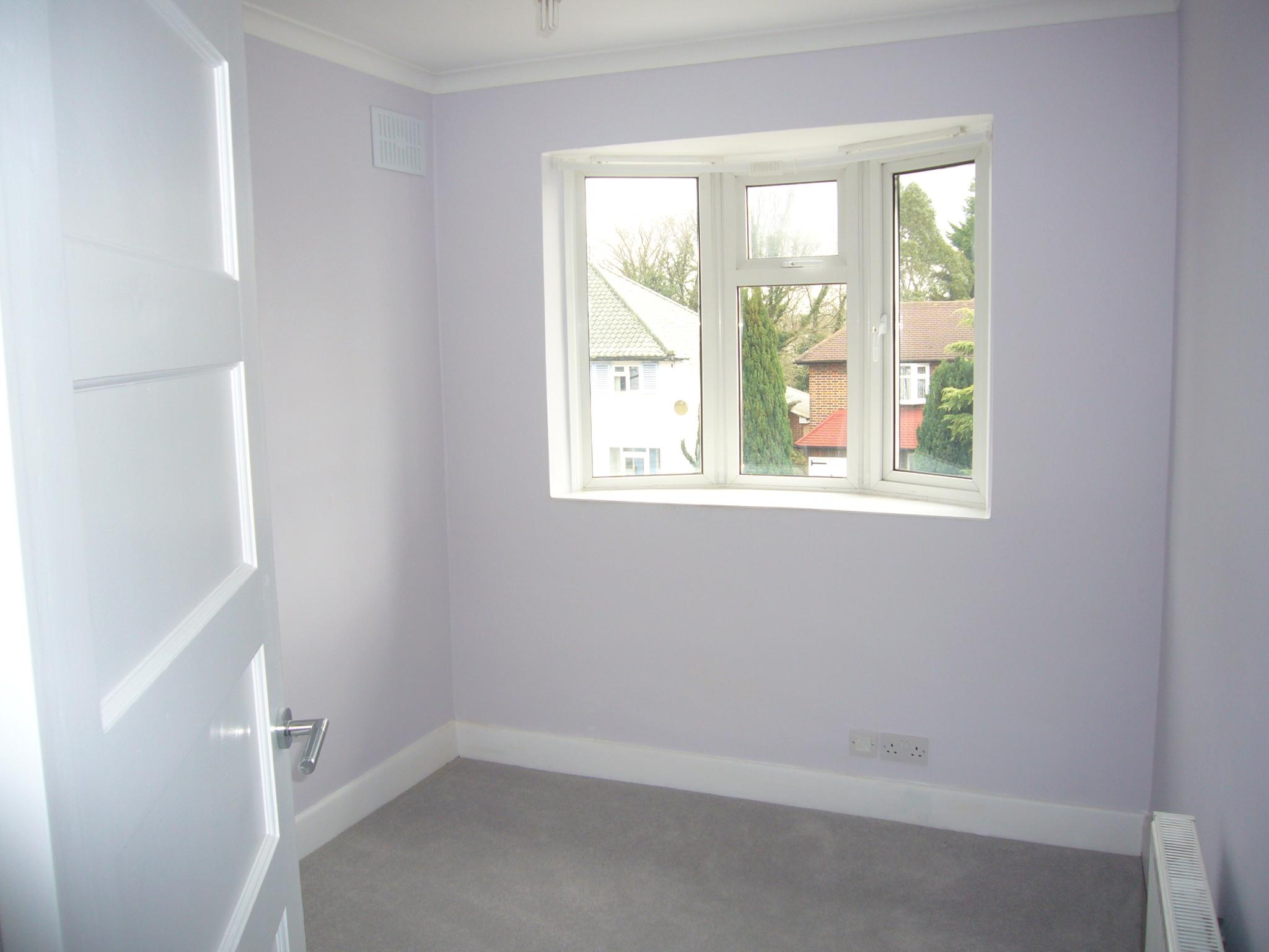 3 bedroom semi-detached house Let Agreed in Epsom - Photograph 11.
