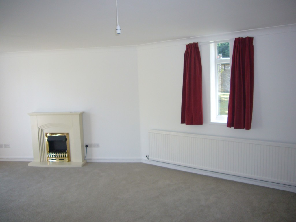 2 bedroom ground floor flat/apartment Let Agreed in Sutton - 0.