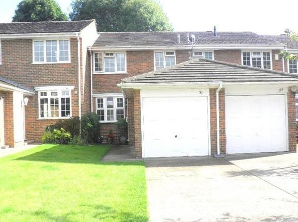 2 bedroom mid terraced house Let Agreed in Sutton - 0.