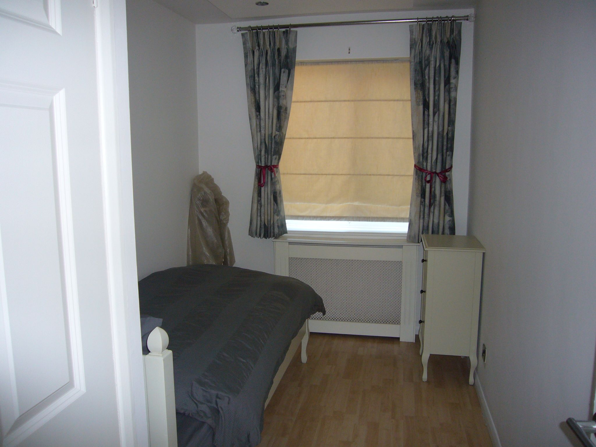 2 bedroom apartment flat/apartment Let Agreed in Sutton - Photograph 6.