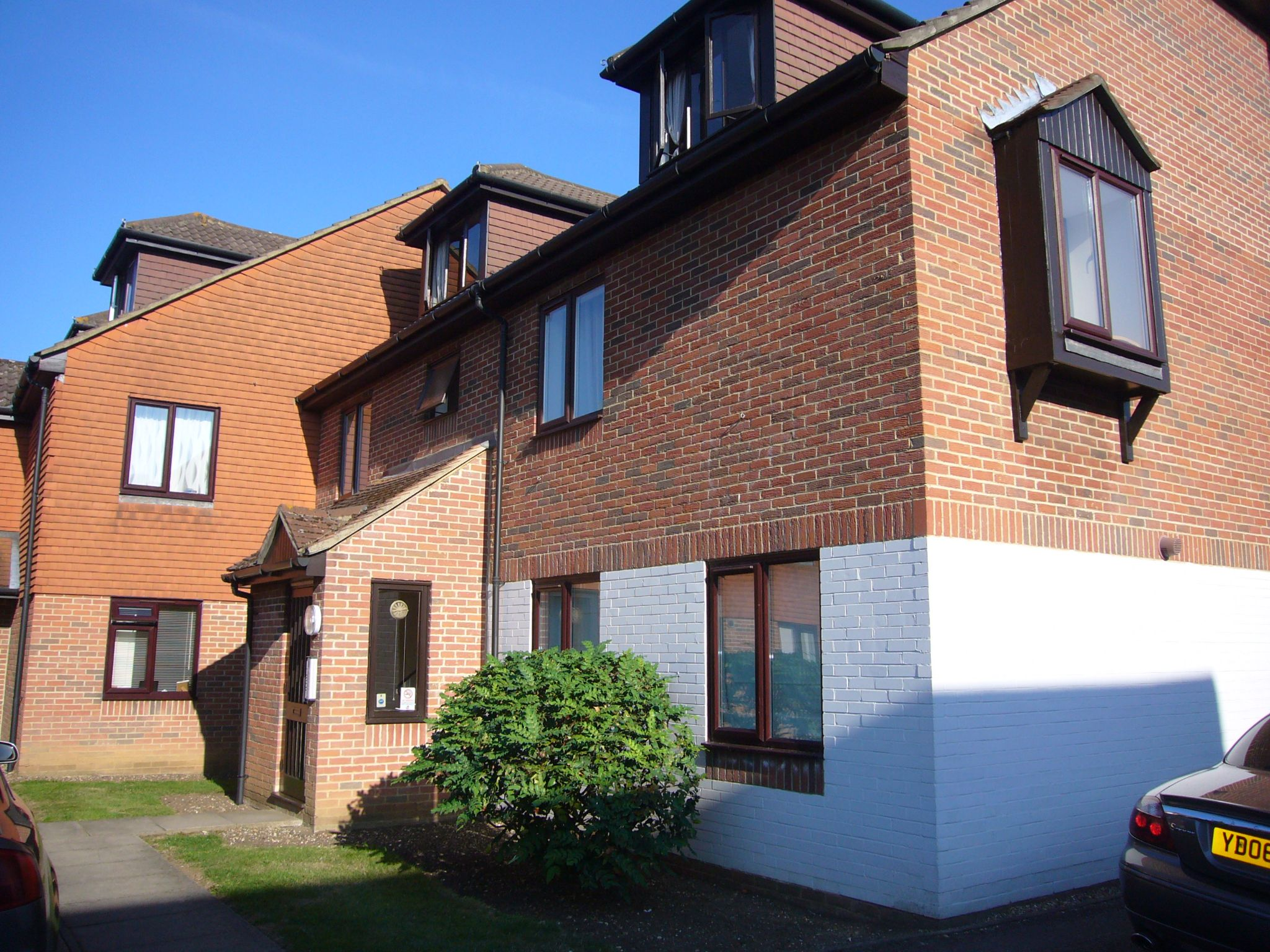2 bedroom apartment flat/apartment Let Agreed in Sutton - Photograph 1.