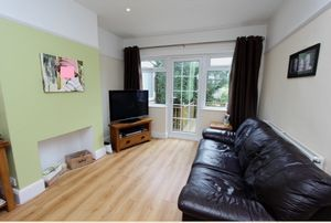 3 bedroom semi-detached house Under Offer in Carshalton - Photograph 2.