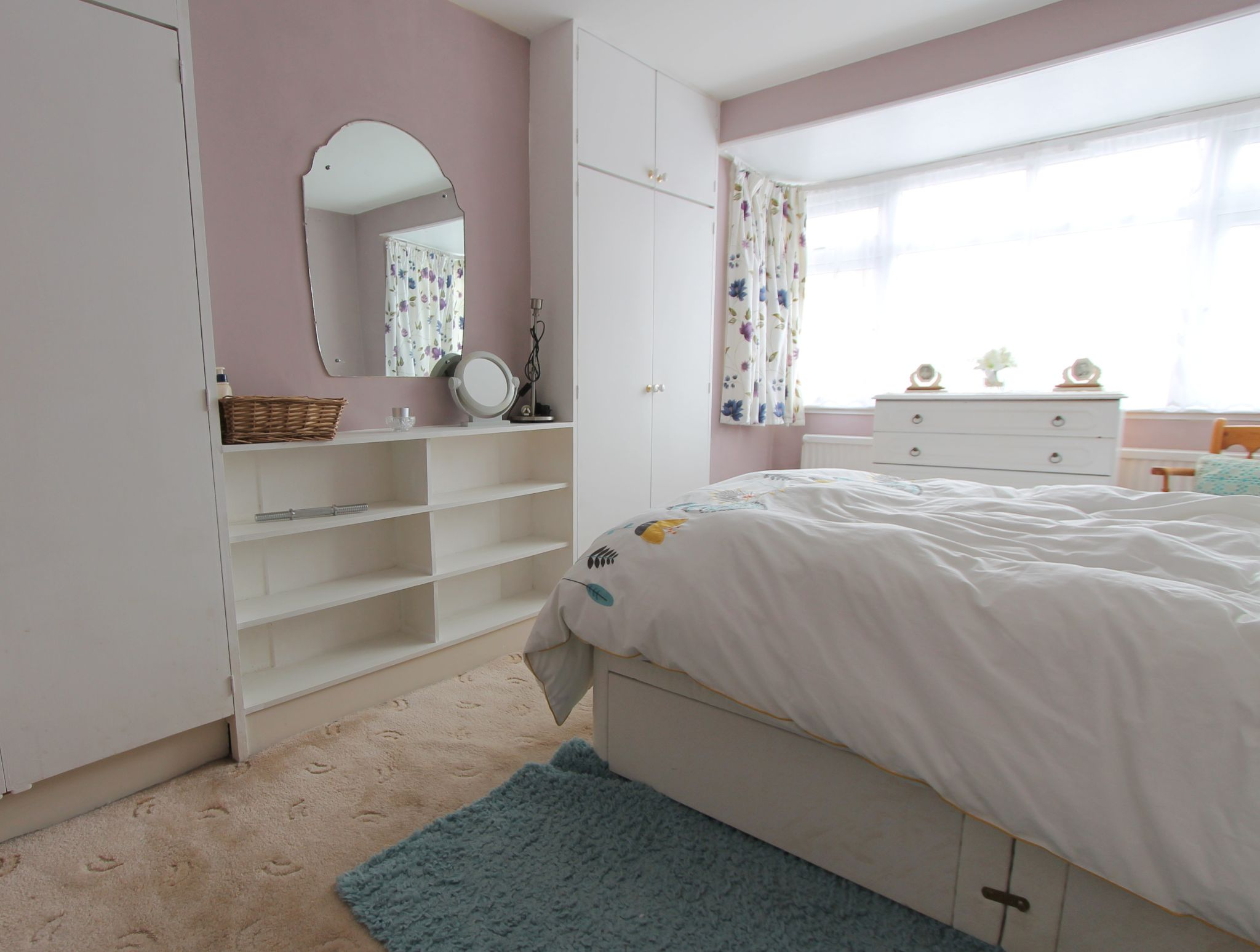 3 bedroom mid terraced house To Let in Sutton - Photograph 6.