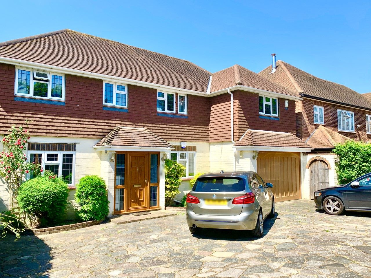 4 bedroom detached house To Let in Sutton - Photograph 1.