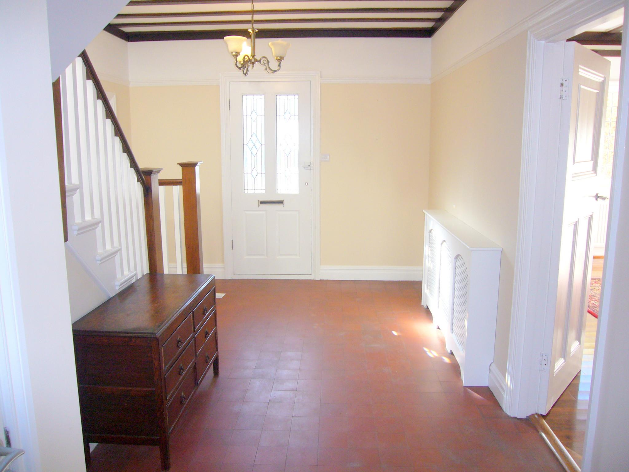 4 bedroom detached house Under Offer in Cheam - Photograph 2.