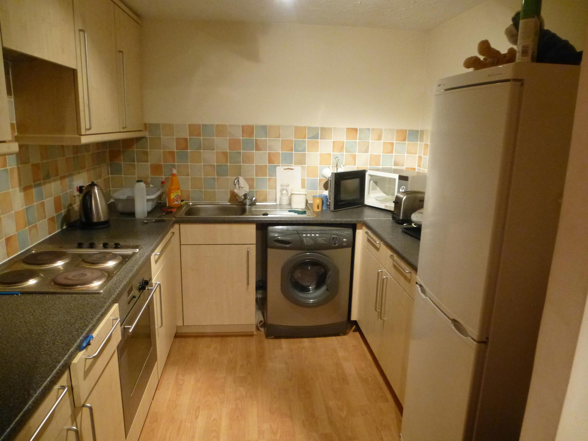 2 bedroom apartment flat/apartment To Let in Preston - Property photograph