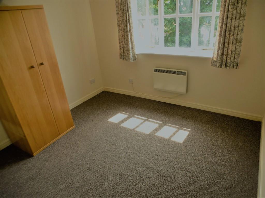 2 Bedroom Flat Flat/apartment - Image 9