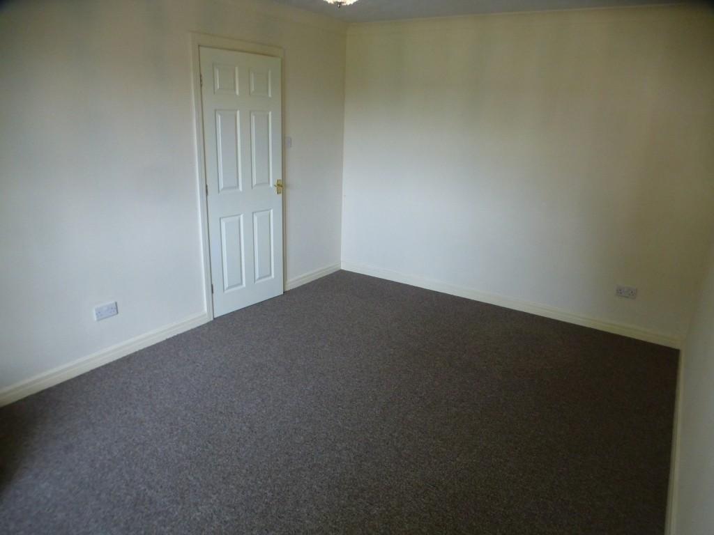 2 Bedroom Flat Flat/apartment - Image 6