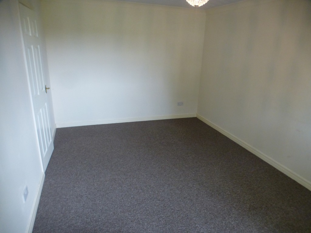 2 Bedroom Flat Flat/apartment - Image 5