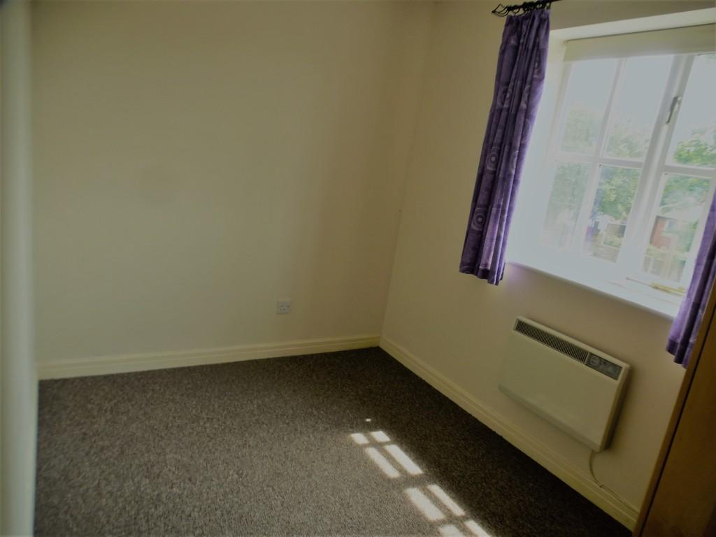 2 Bedroom Flat Flat/apartment - Image 11