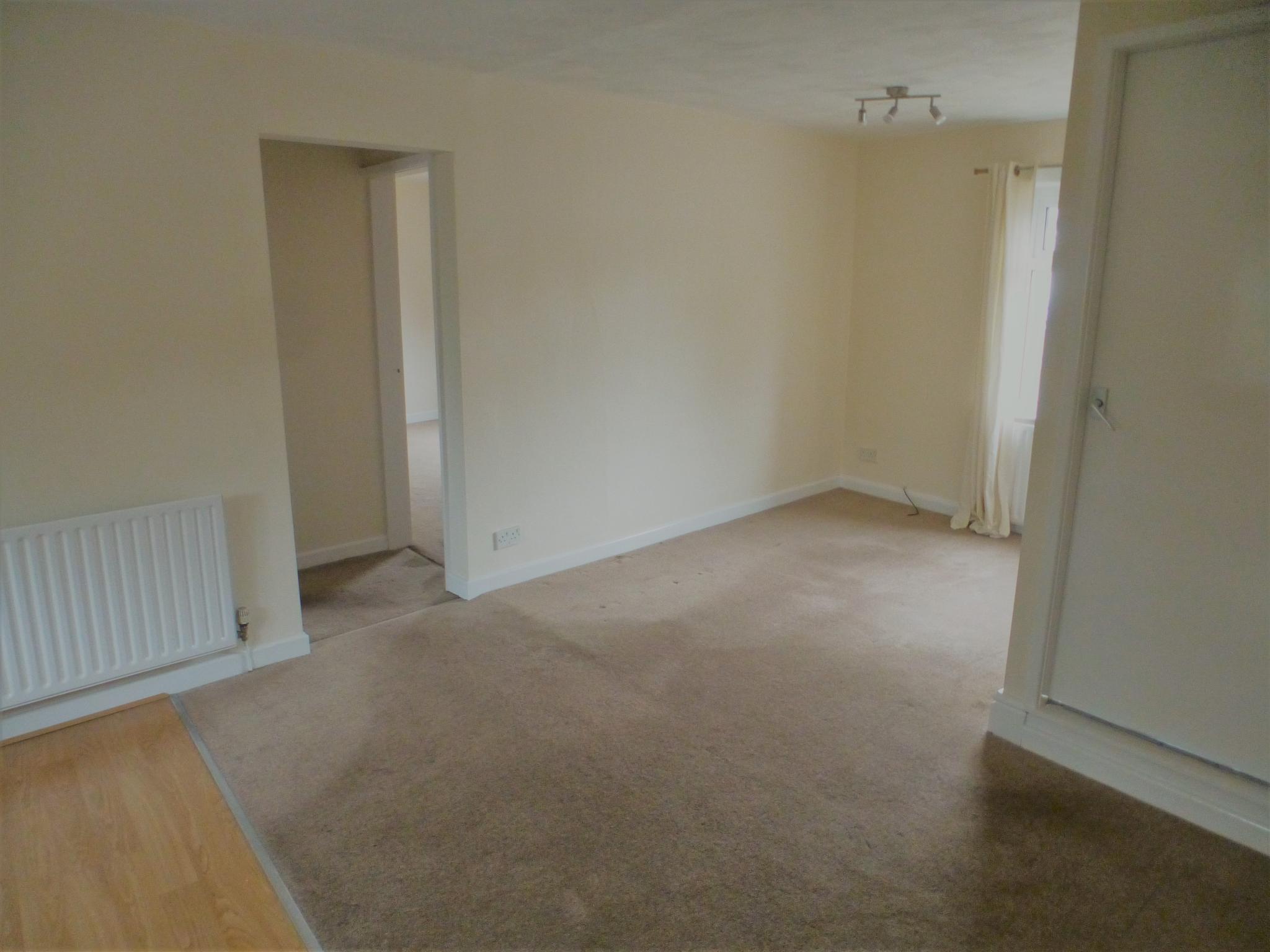 2 Bedroom Flat Flat/apartment - Image 3