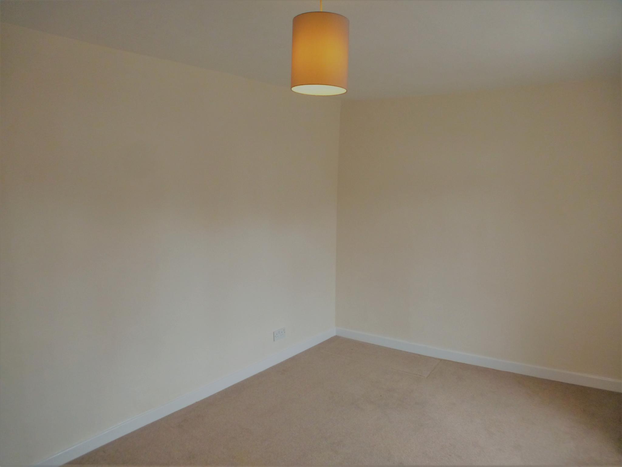 2 Bedroom Flat Flat/apartment - Image 13