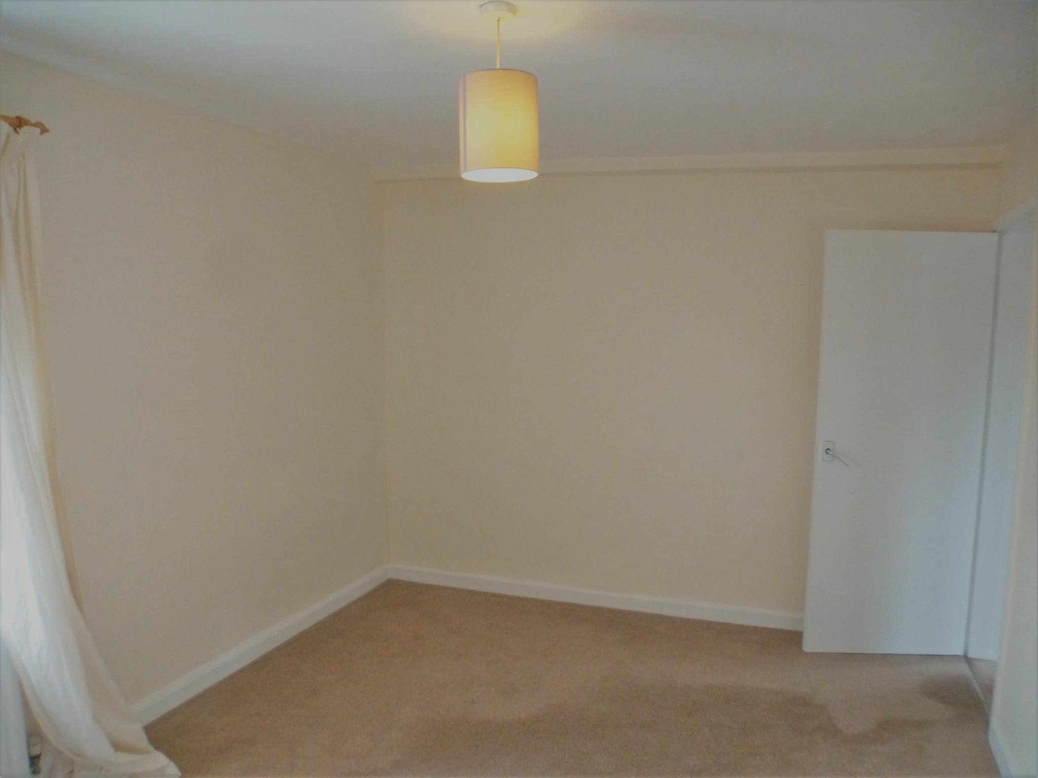 2 Bedroom Flat Flat/apartment - Image 14