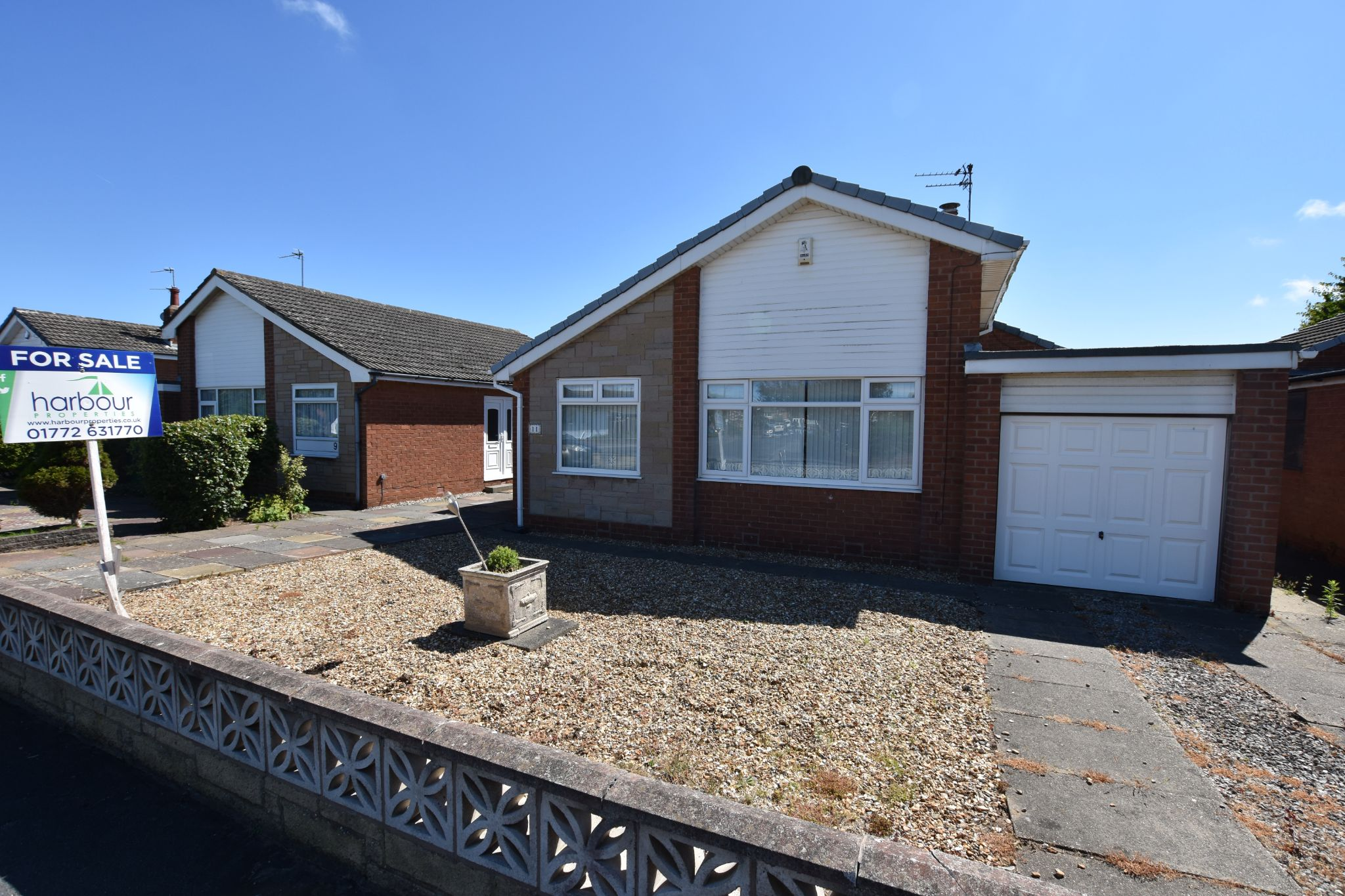 2 bedroom detached bungalow For Sale in Lytham St Annes - Otley Road