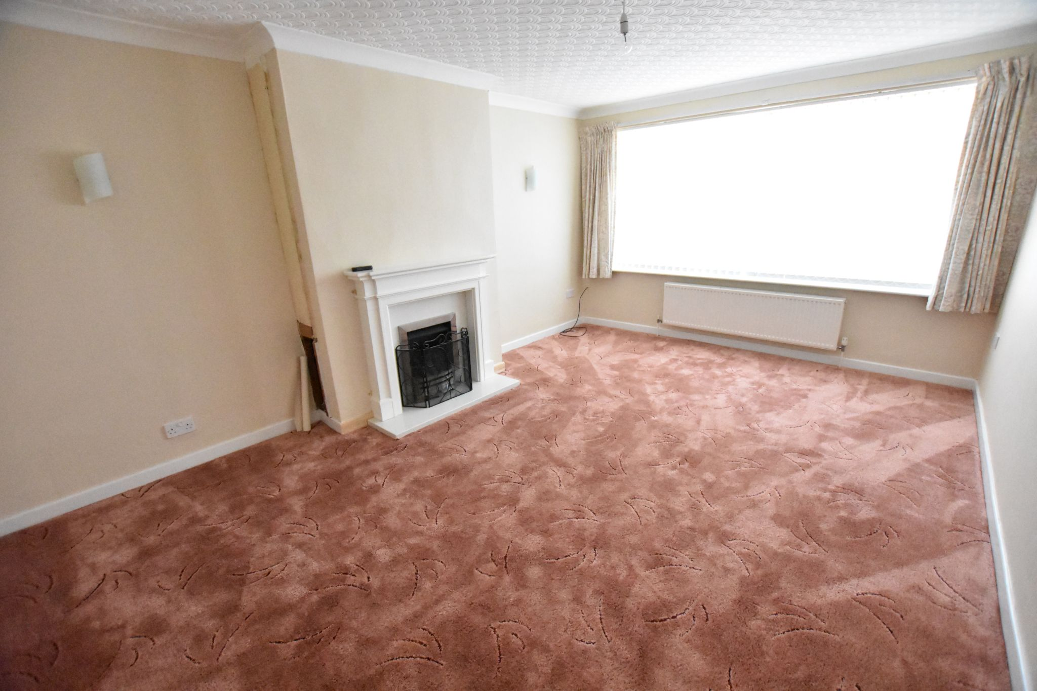 2 bedroom detached bungalow For Sale in Lytham St Annes - Lounge