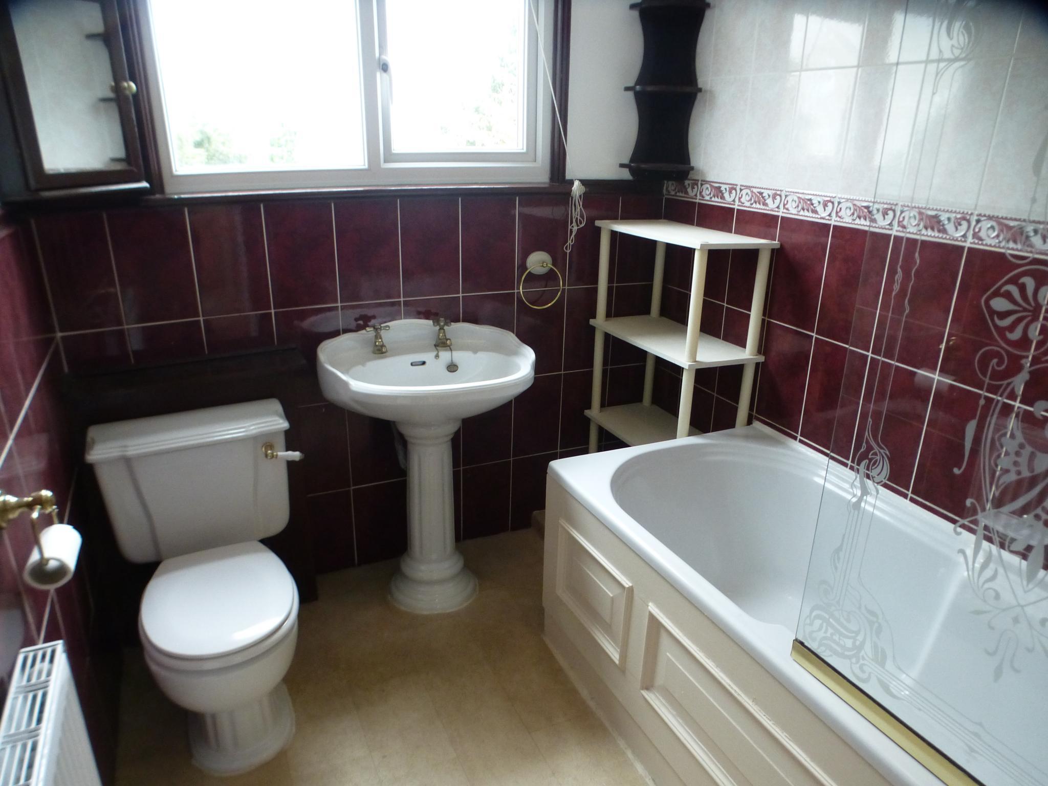 3 Bedroom Semi-detached House - Image 24