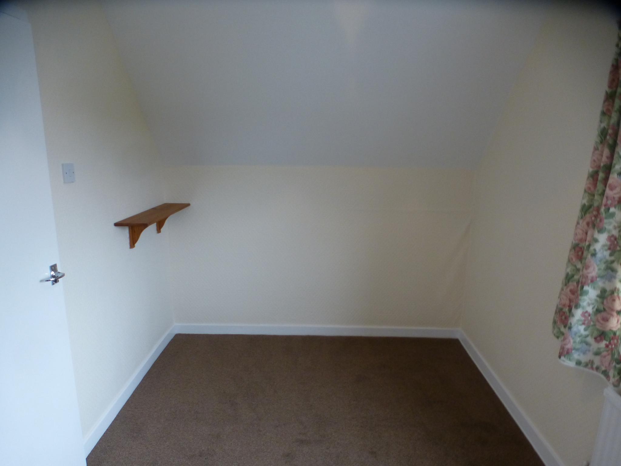 3 Bedroom Semi-detached House - Image 23