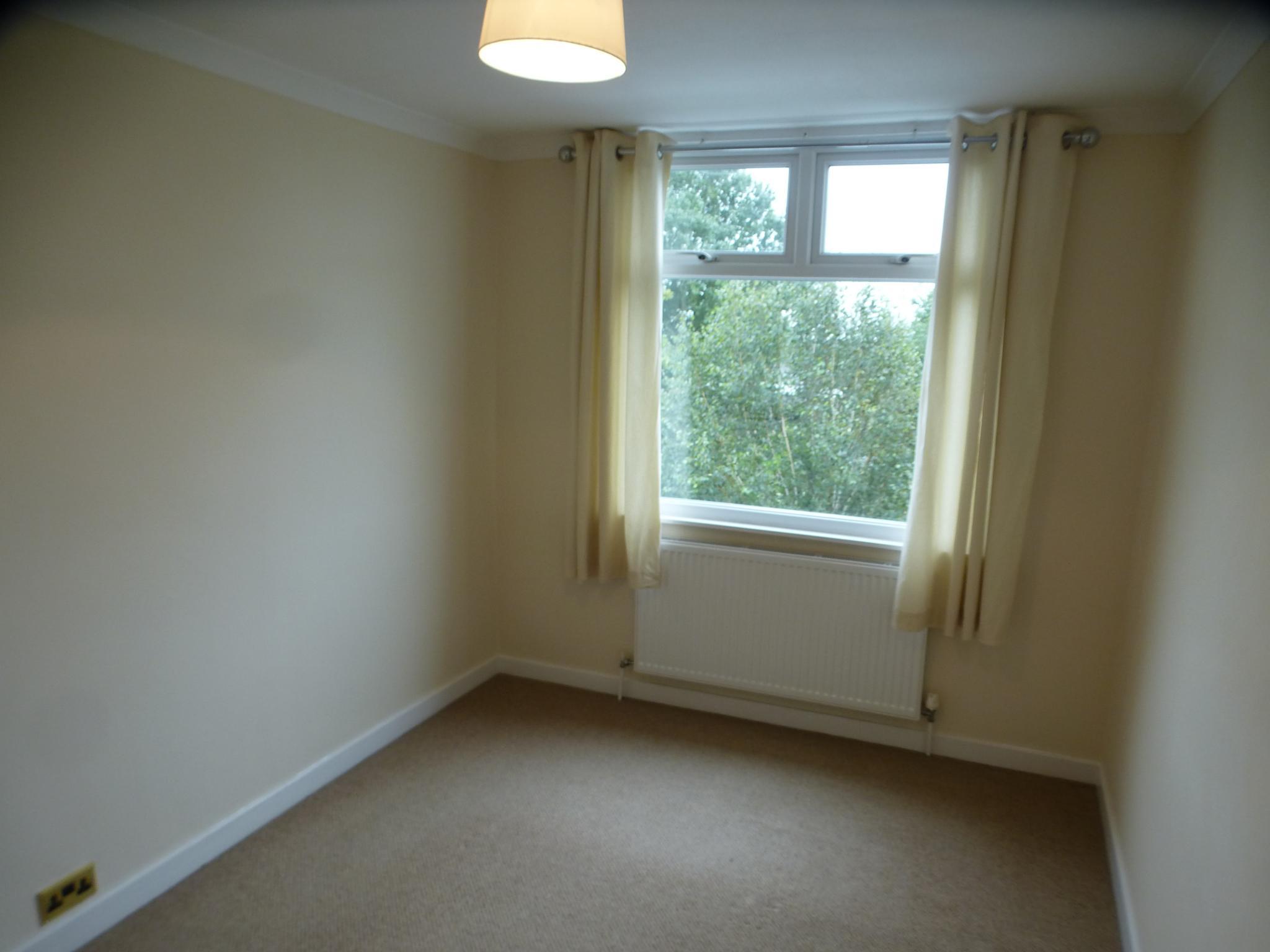 3 Bedroom Semi-detached House - Image 18