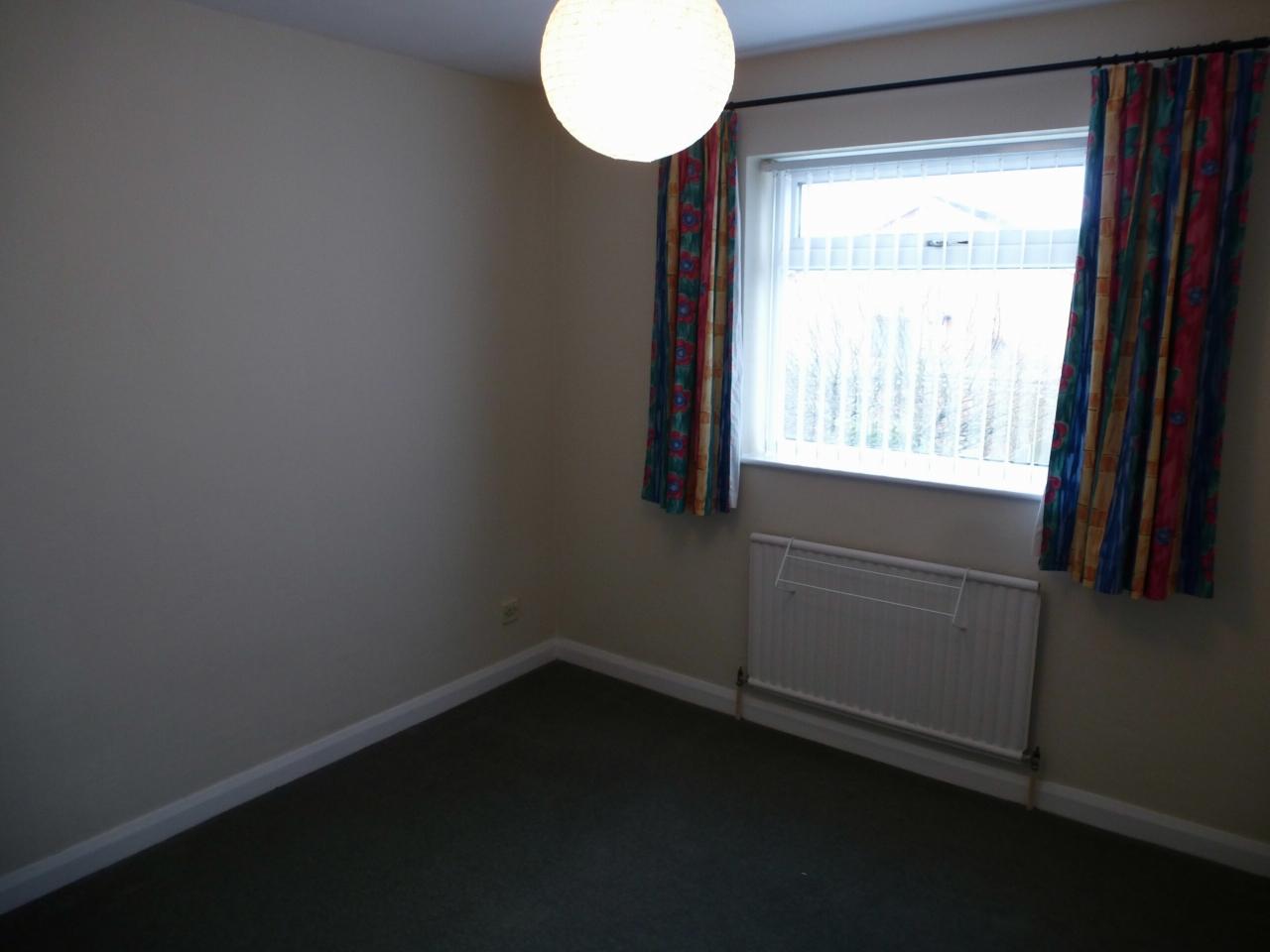 3 Bedroom Detached House Let Agreed - Image 14
