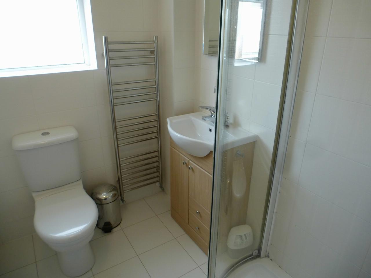 3 Bedroom Detached House Let Agreed - Image 18