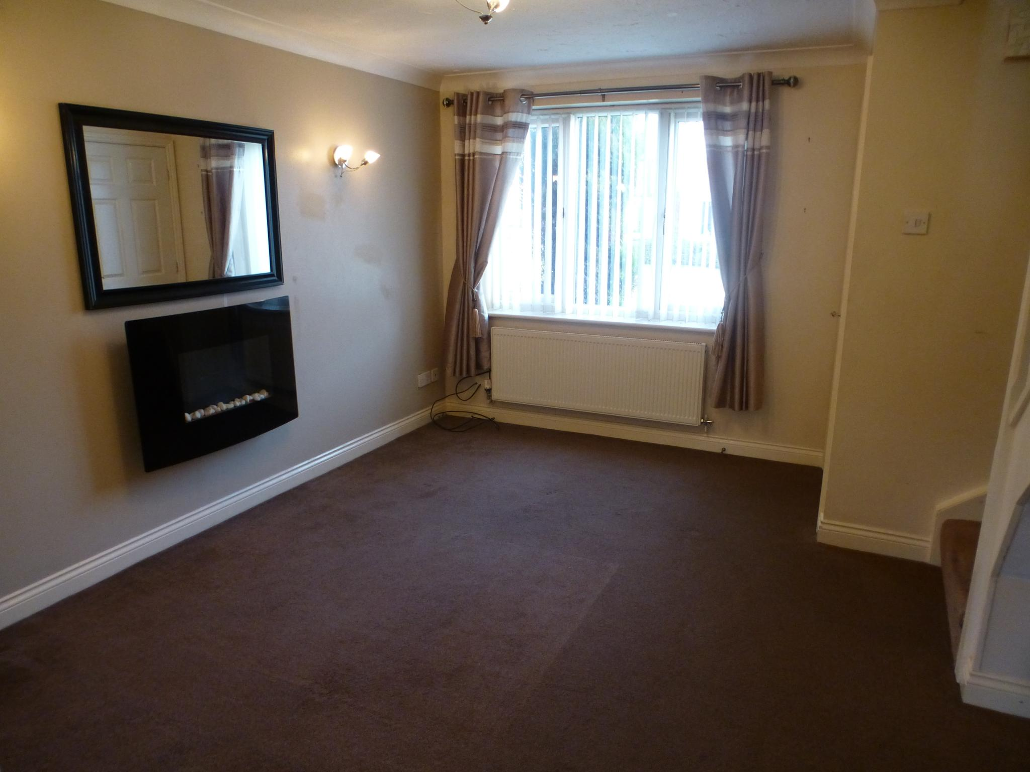 2 bedroom mews house To Let in Preston - Property photograph