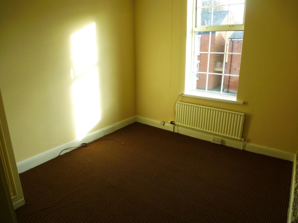 3 Bedroom Semi-detached House Let Agreed - Image 5