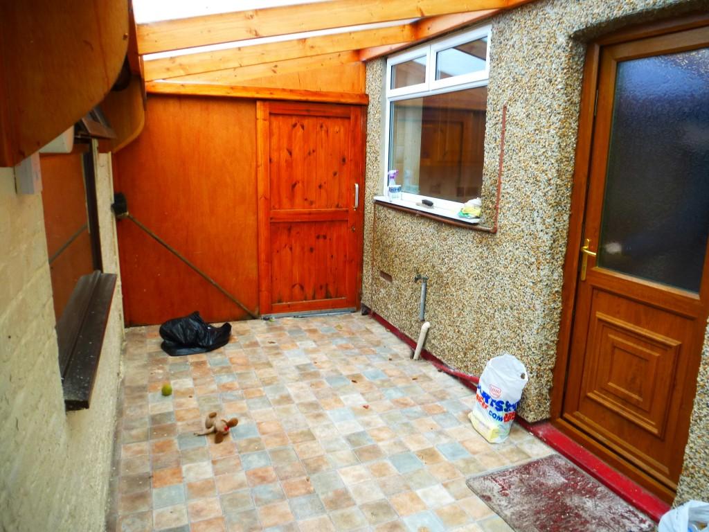 3 Bedroom Semi-detached House Let Agreed - Image 10