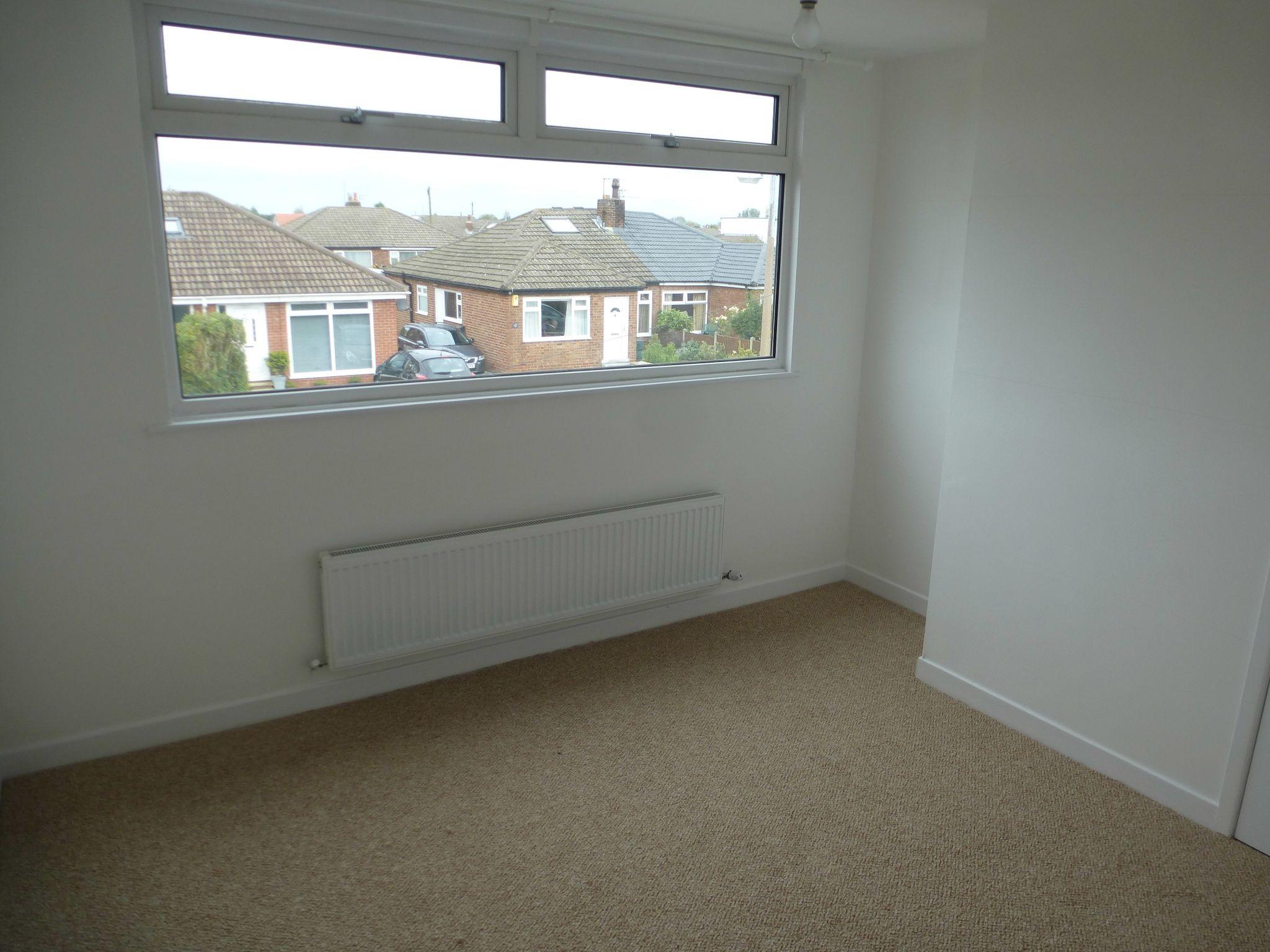3 bedroom semi-detached bungalow To Let in Preston - Bedroom 2