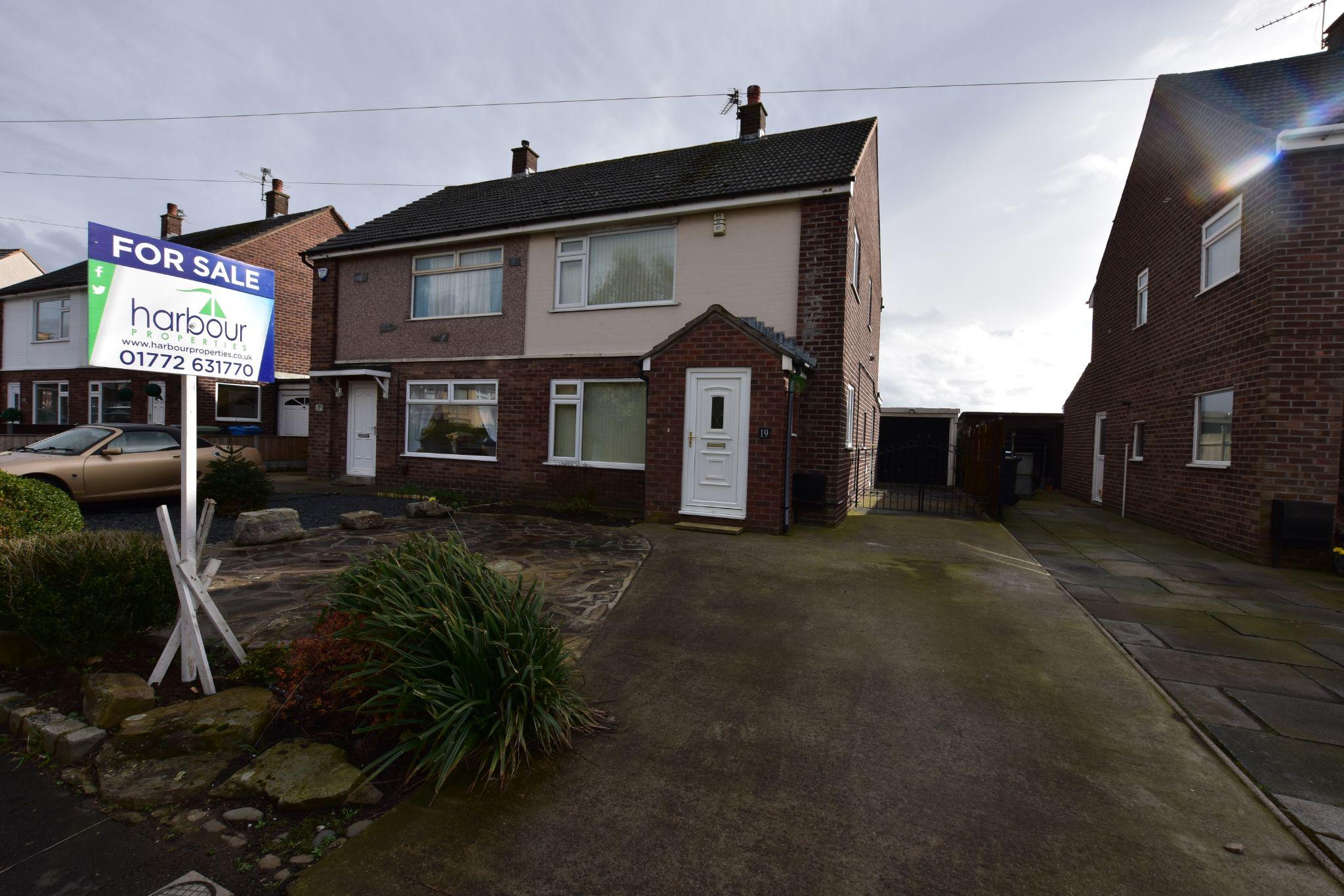 3 bedroom semi-detached house Sold STC in Preston - Ribble Avenue