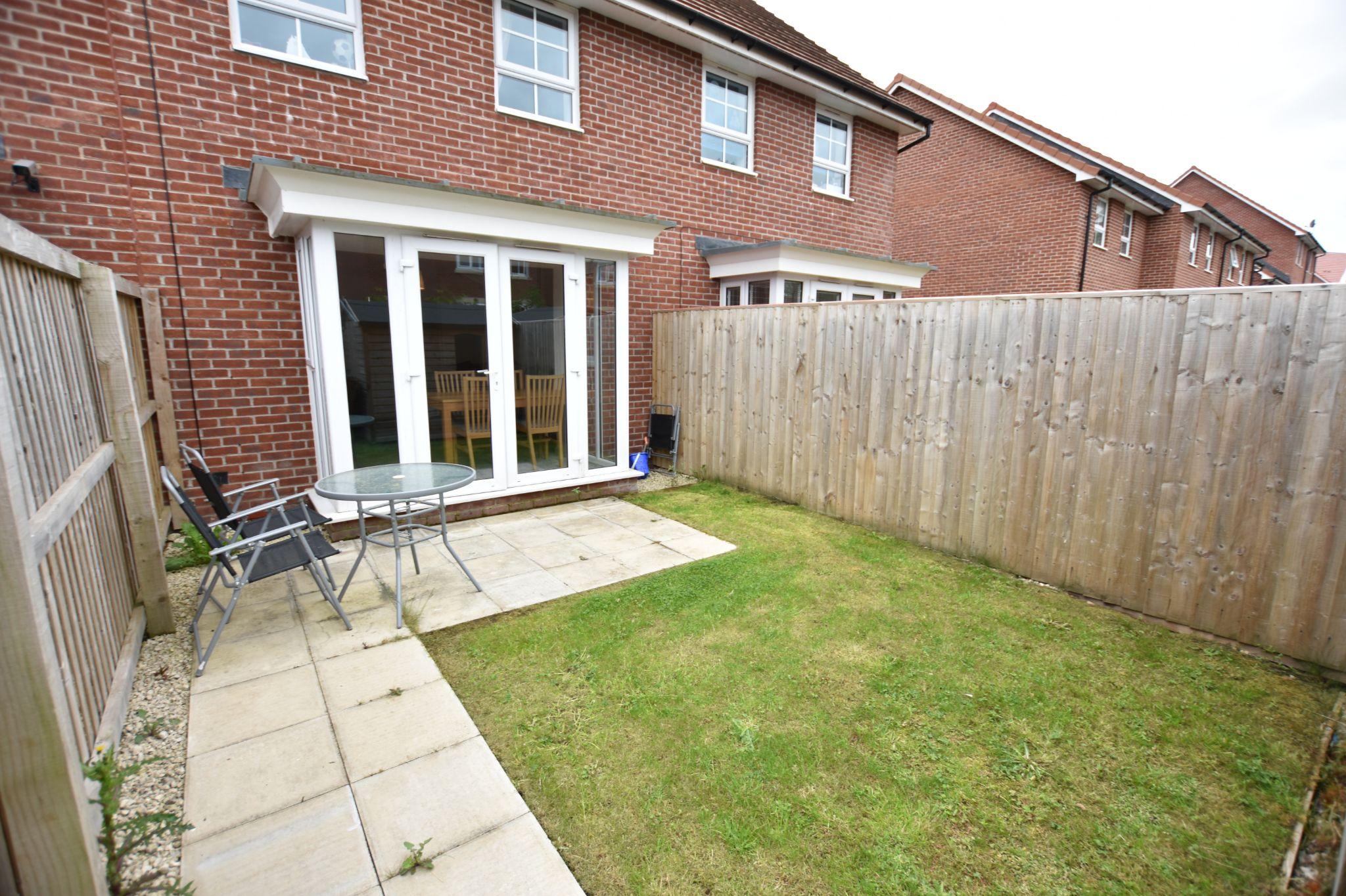 3 bedroom mid terraced house For Sale in Preston - Garden
