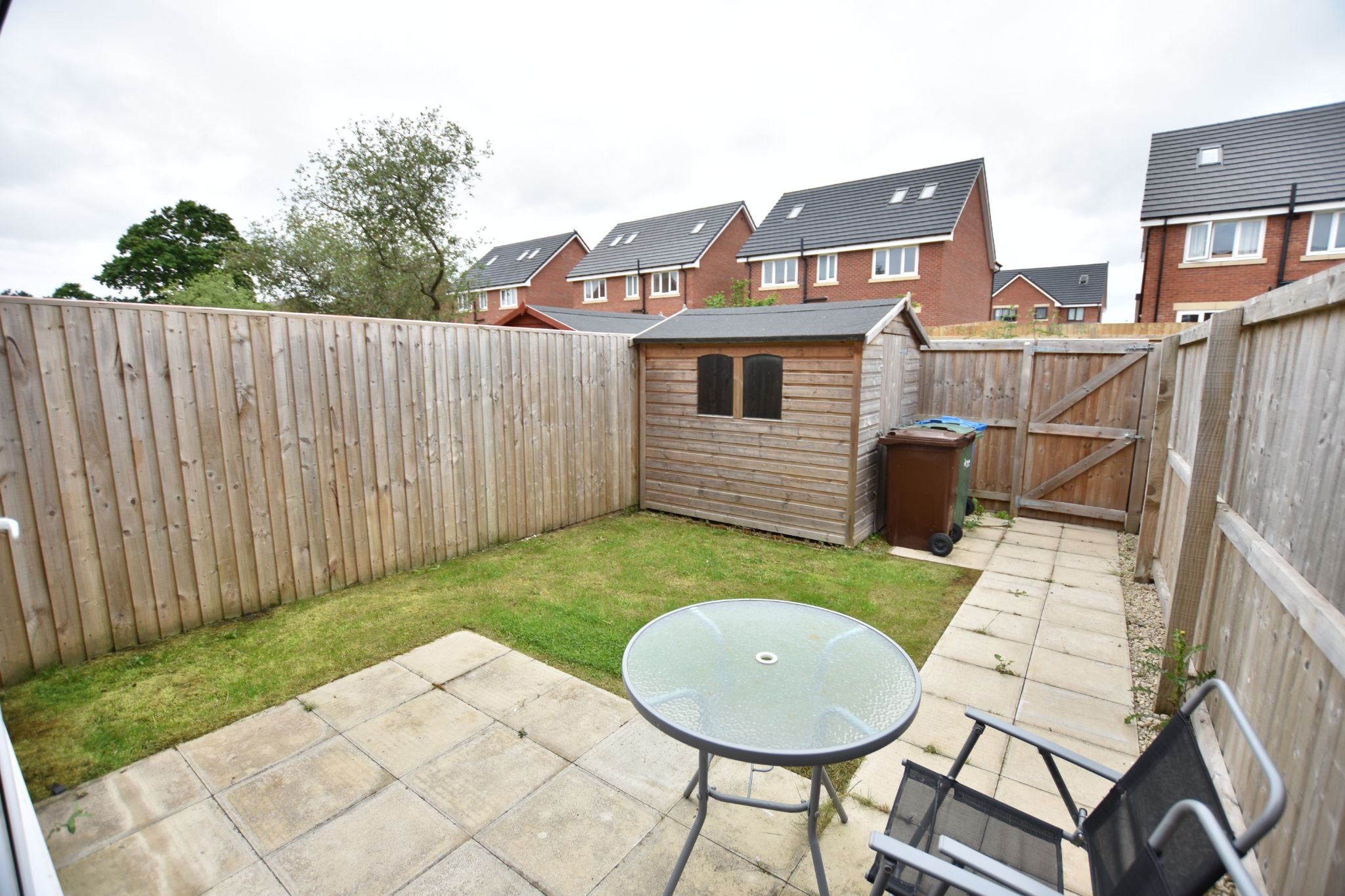 3 bedroom mid terraced house For Sale in Preston - Garden