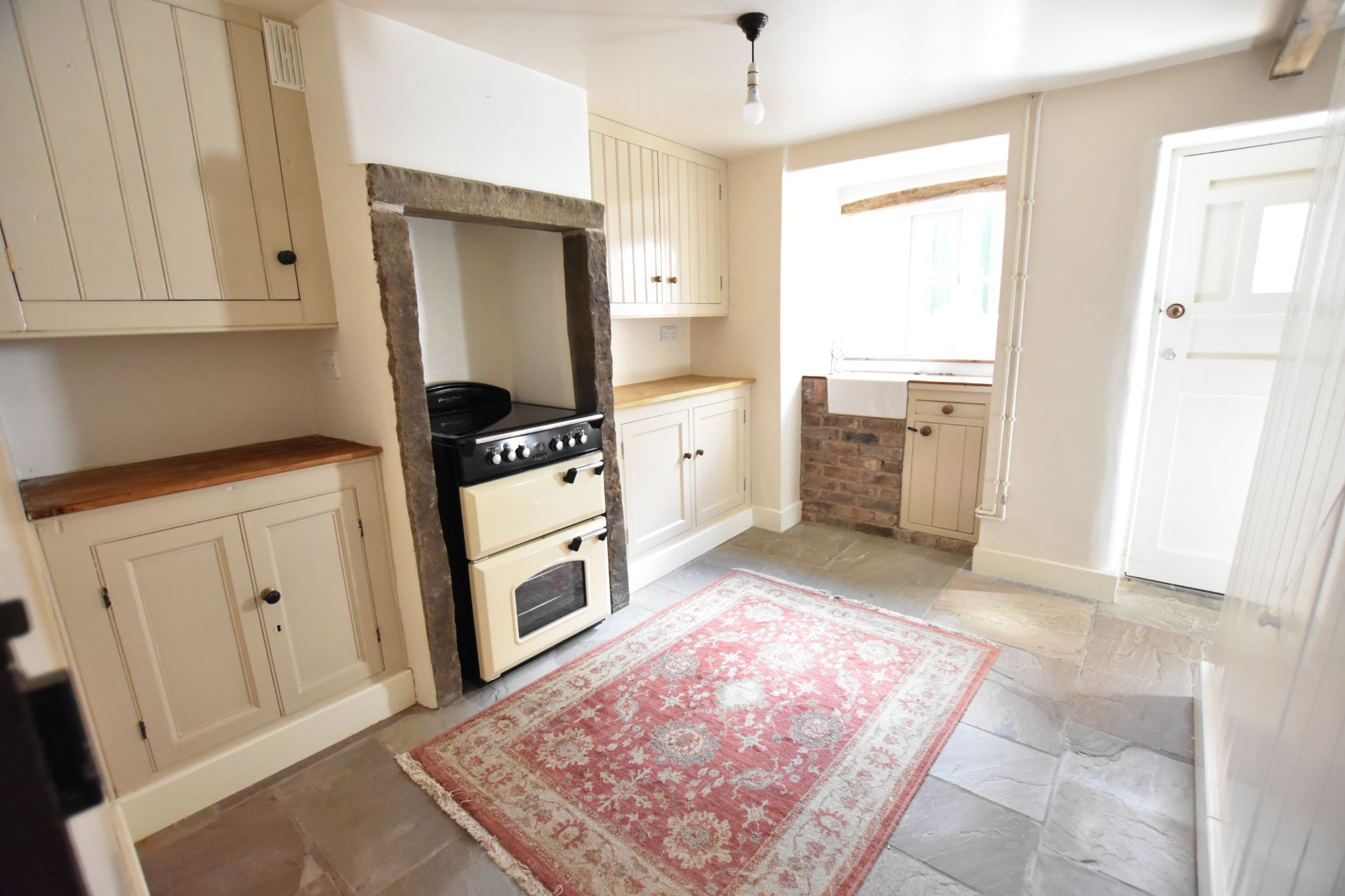 1 bedroom mid terraced house Let Agreed in Preston - Property photograph