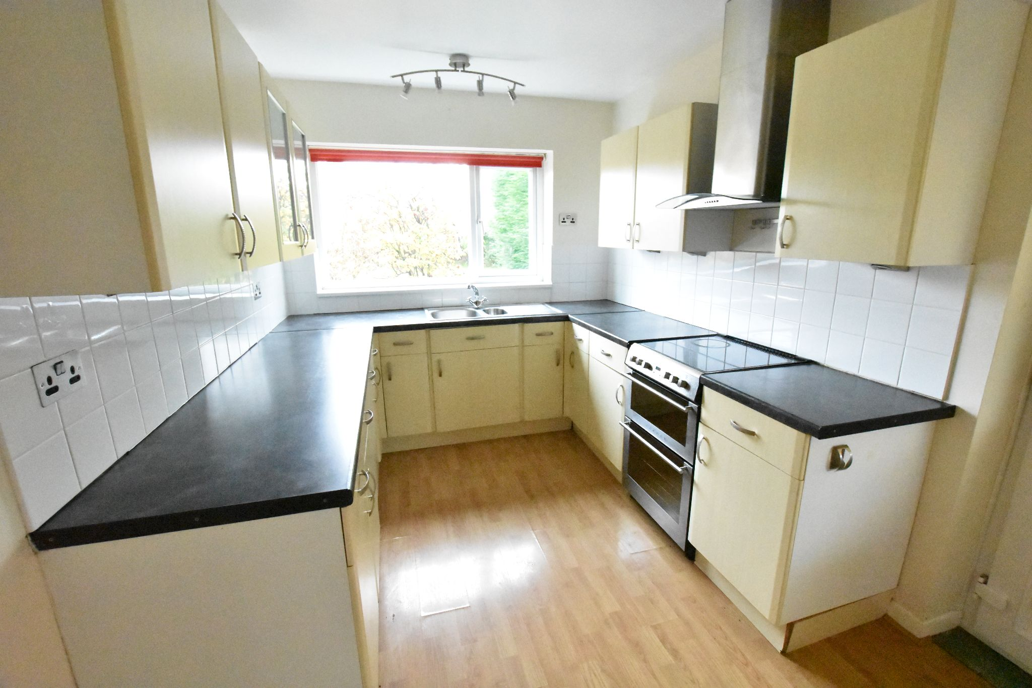 3 bedroom detached bungalow To Let in Preston - Property photograph