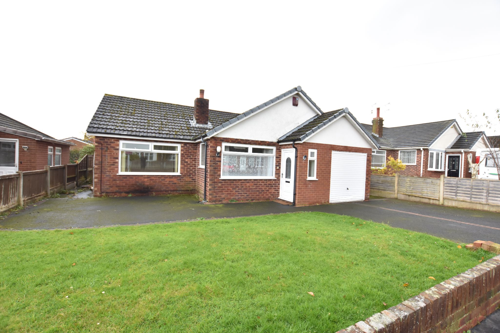 3 bedroom detached bungalow For Sale in Preston - Property photograph