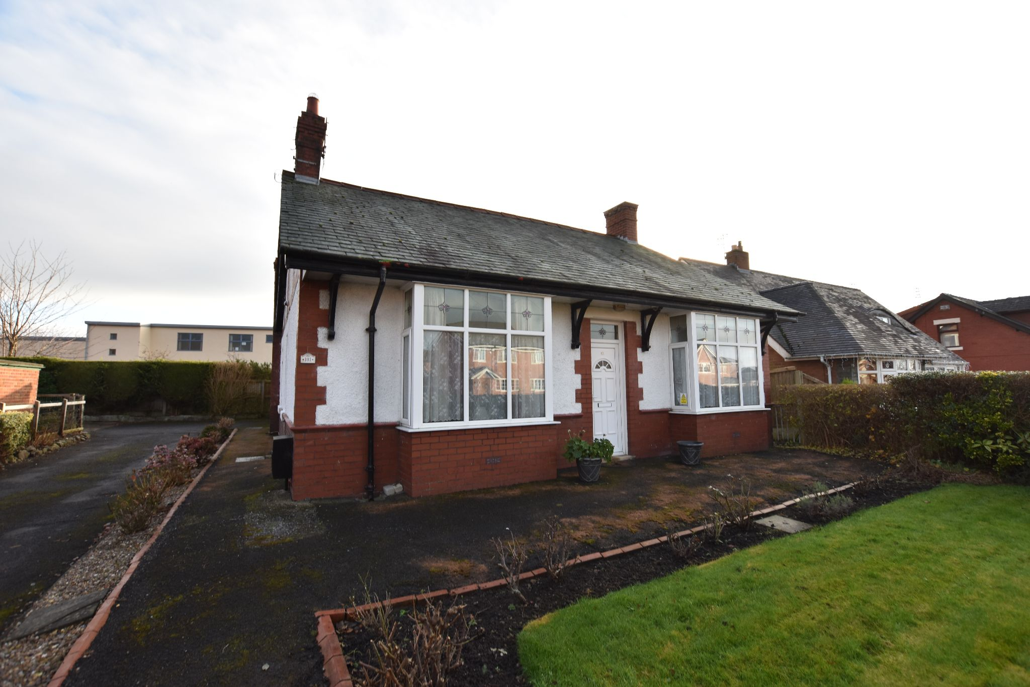 2 bedroom detached bungalow For Sale in Preston - Property photograph