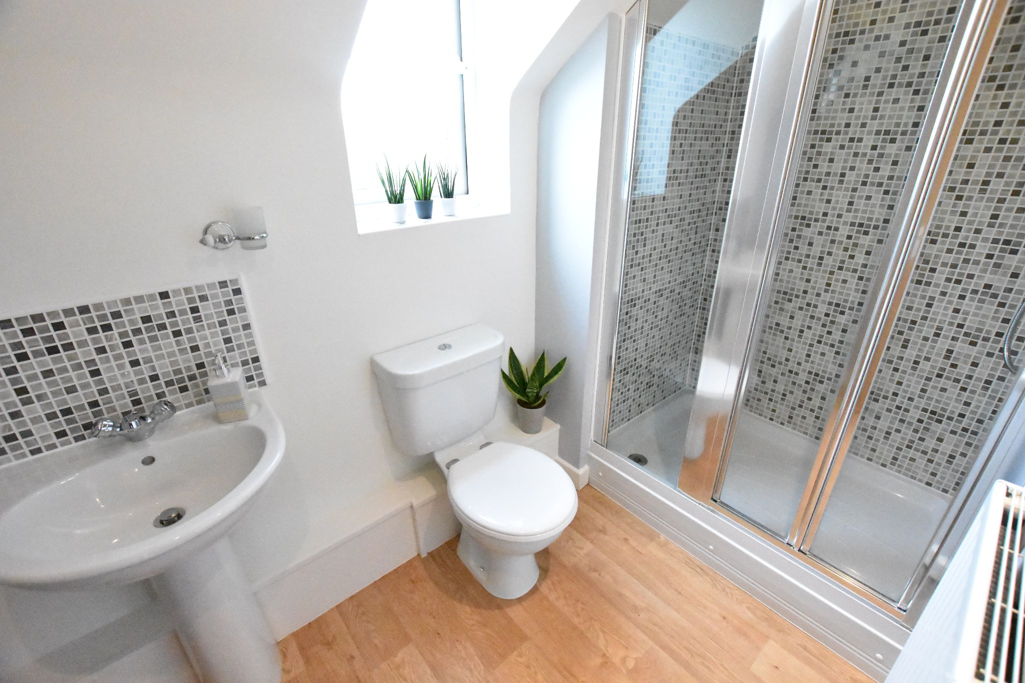 2 bedroom apartment flat/apartment To Let in Preston - En-Suite