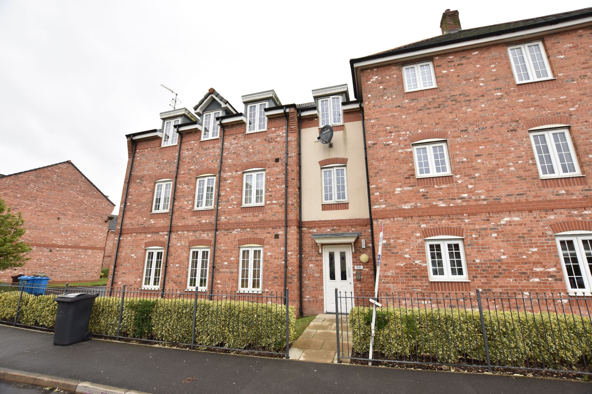 2 bedroom apartment flat/apartment To Let in Preston - Wesham Park Drive