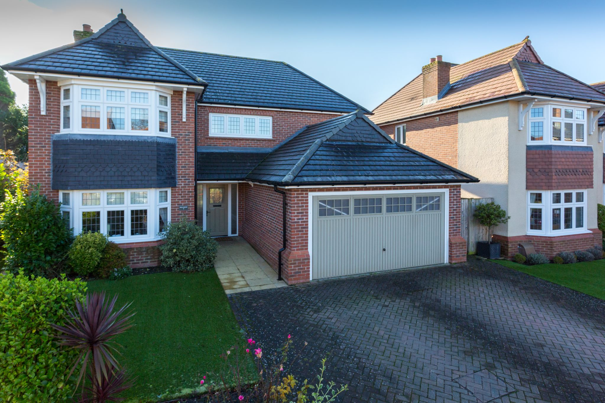 4 bedroom detached house For Sale in Preston - Property photograph