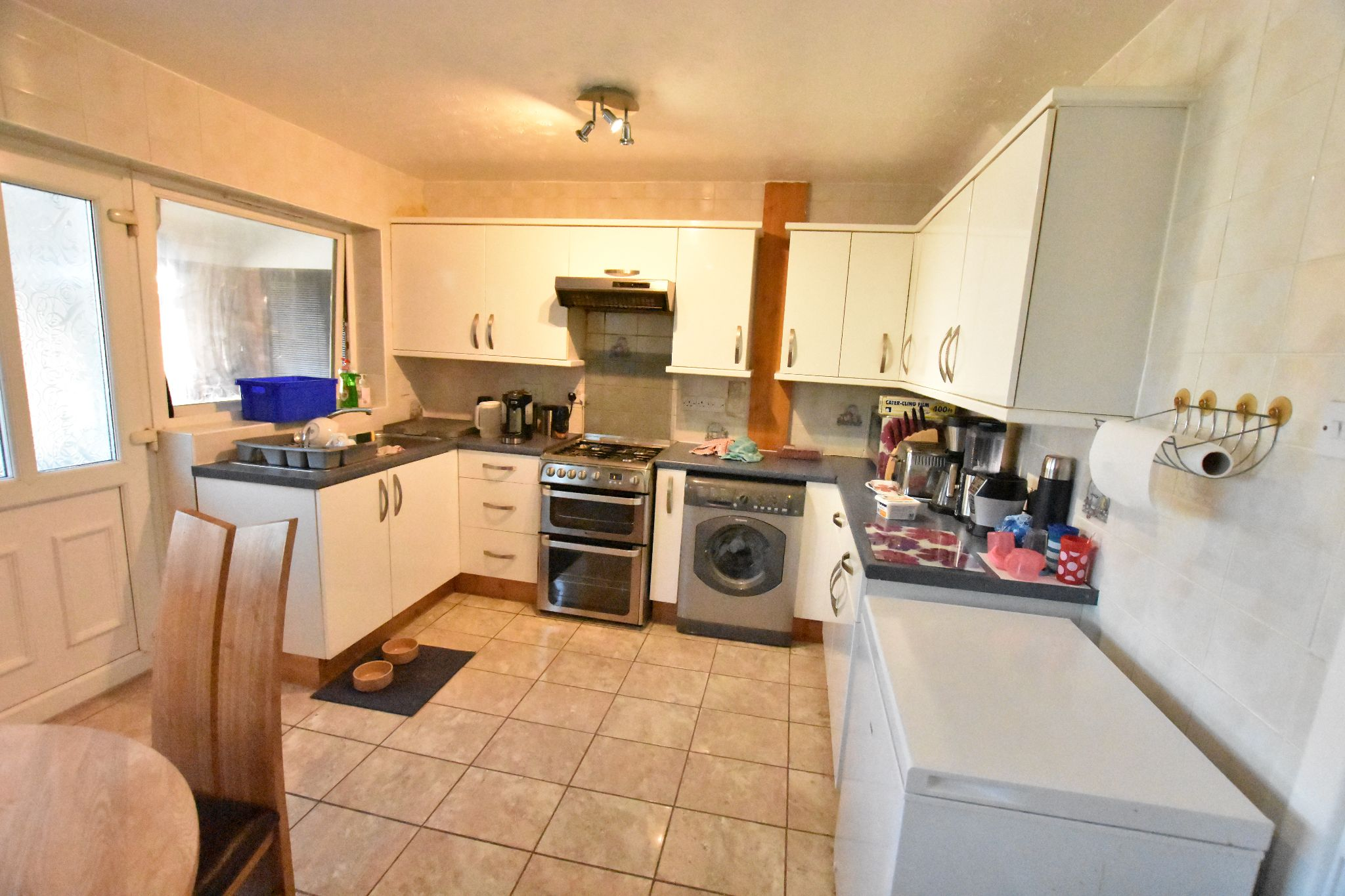 5 bedroom semi-detached house For Sale in Preston - Property photograph