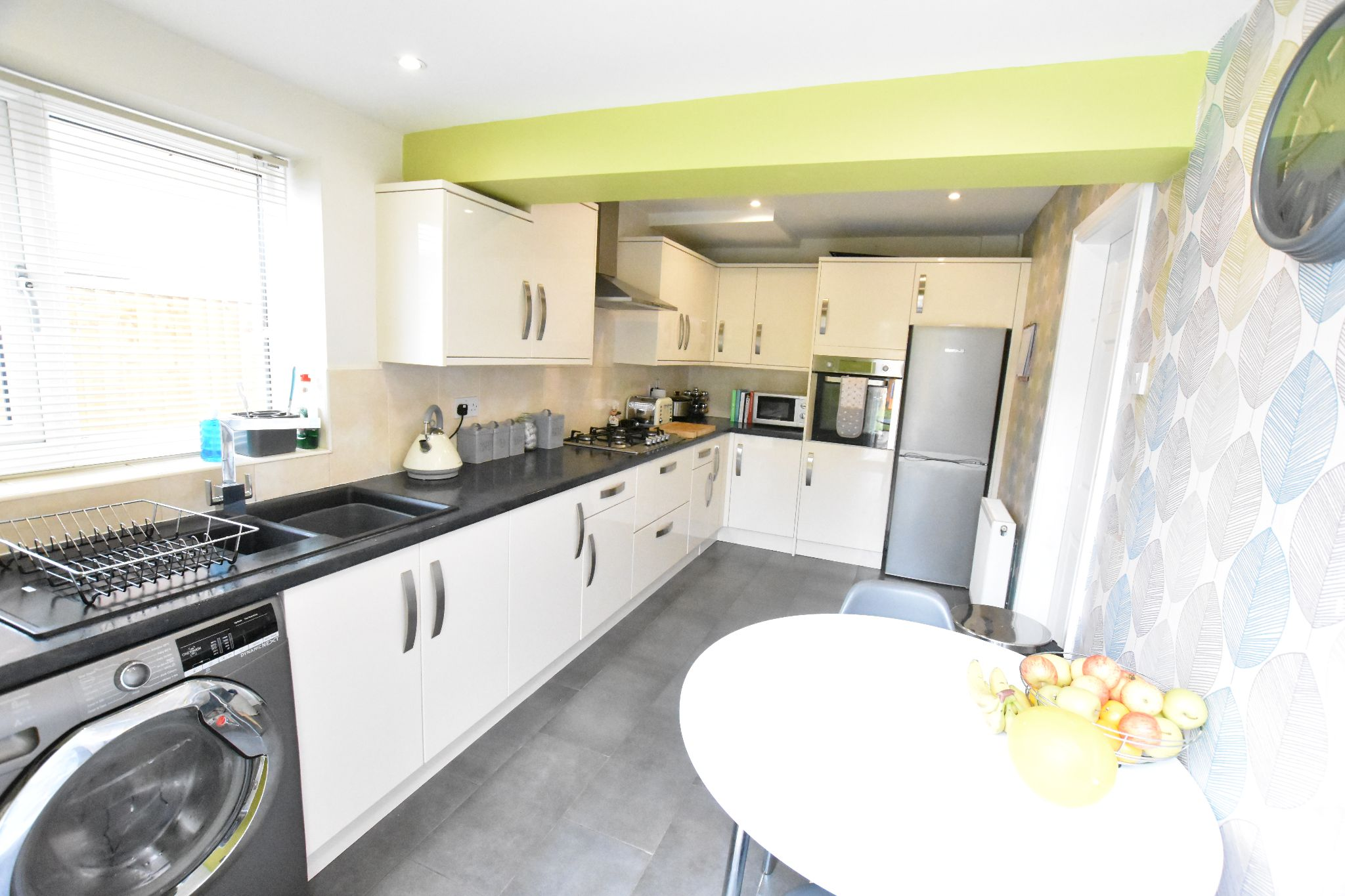 3 bedroom semi-detached house For Sale in Preston - Property photograph