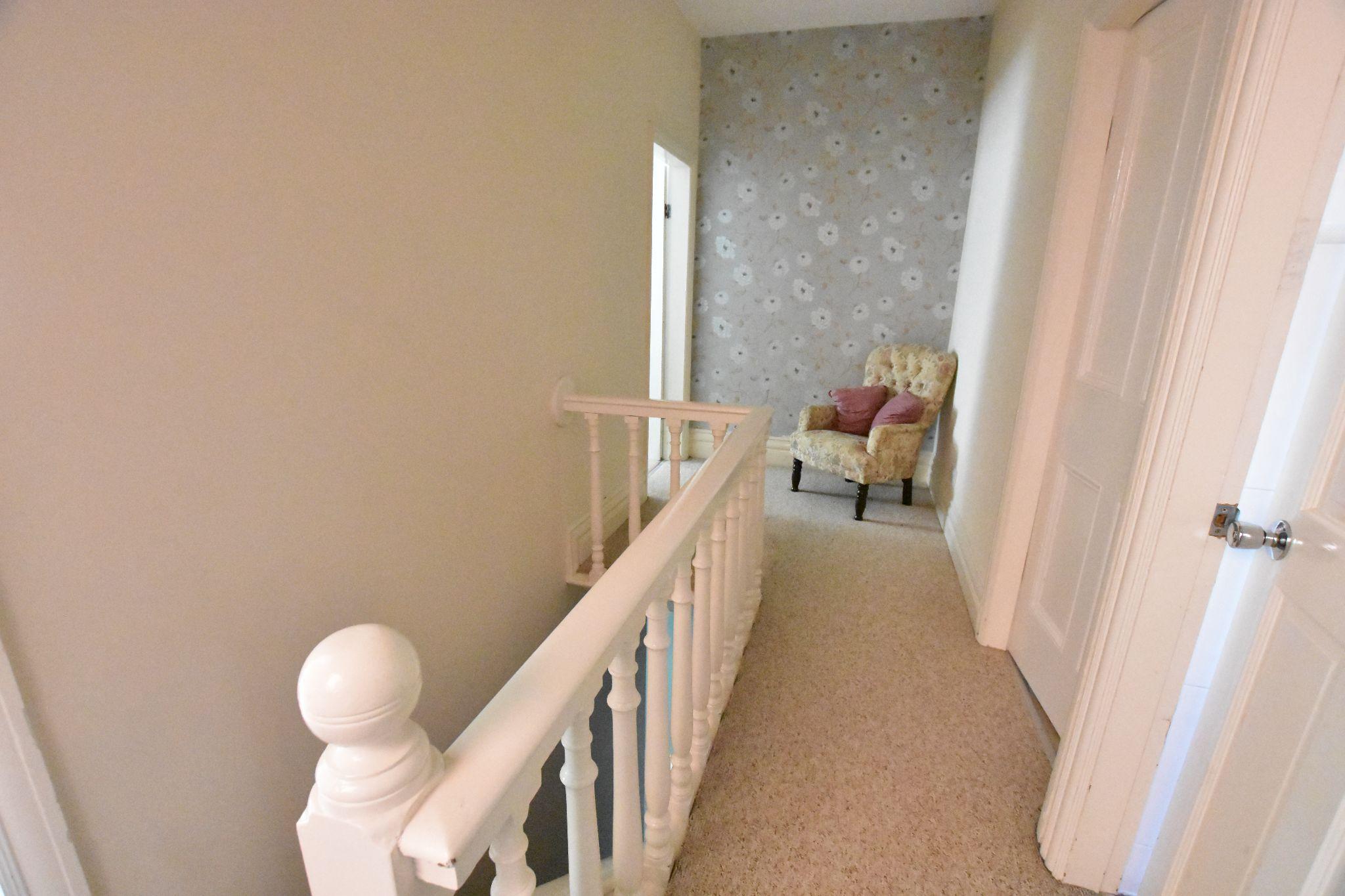3 bedroom semi-detached house Sold STC in Preston - Landing