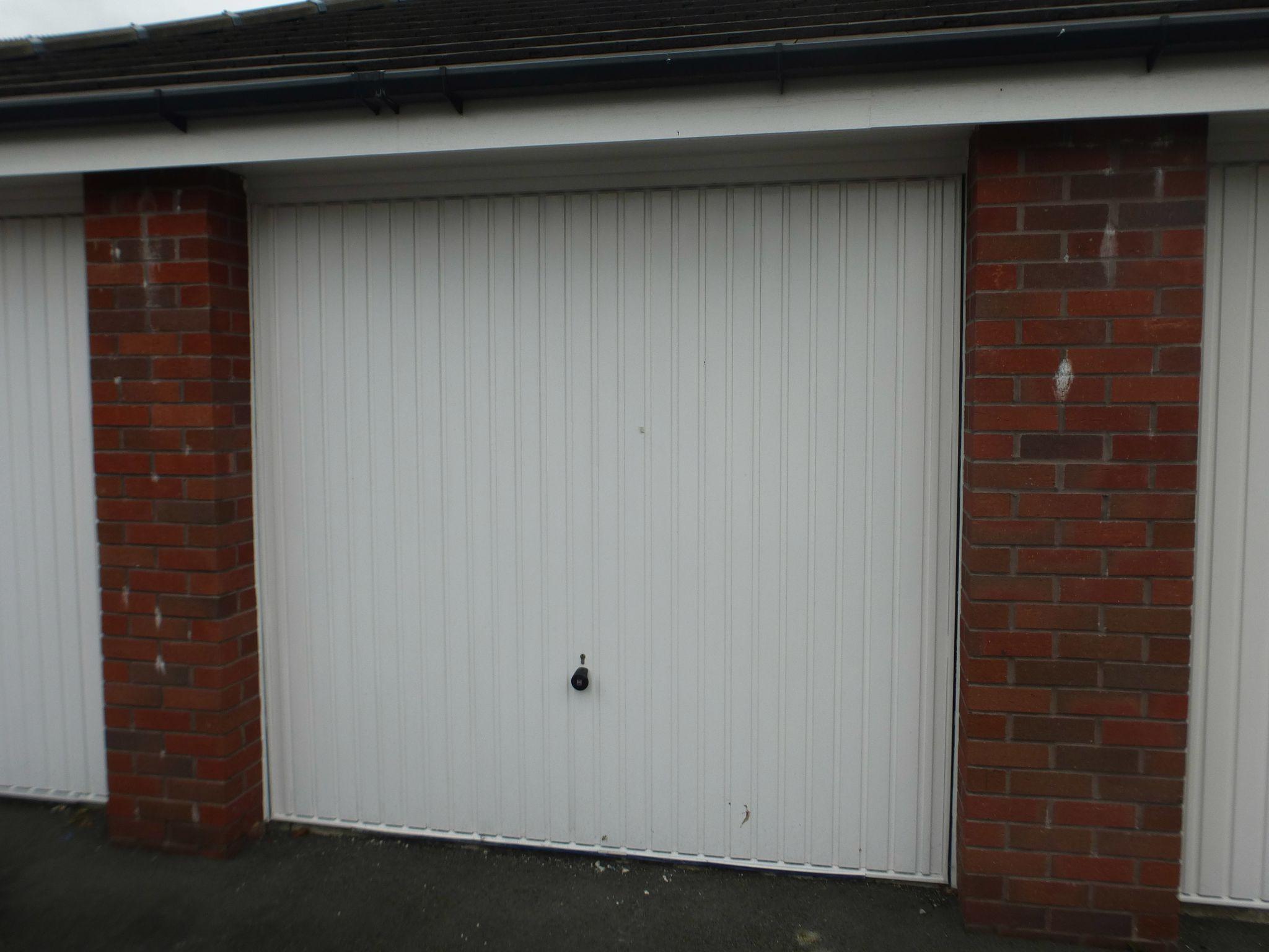 2 bedroom apartment flat/apartment Sold STC in Preston - Garage